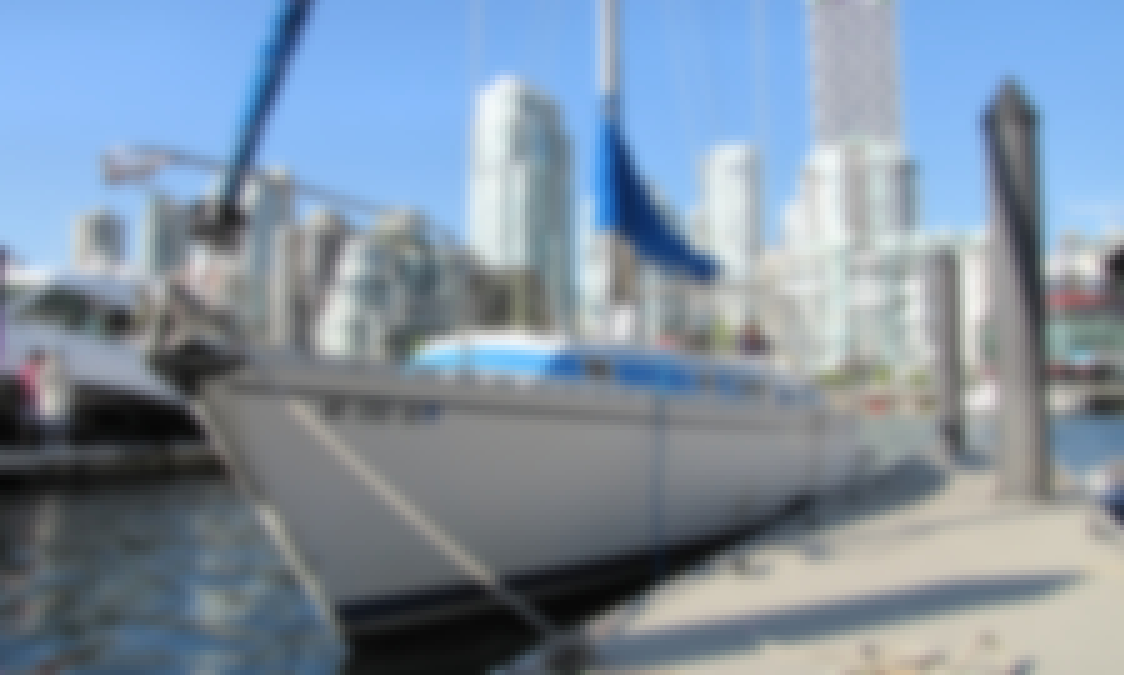 43' Beneteau Idylle Sailboat Charter for 6 People in Vancouver, Canada