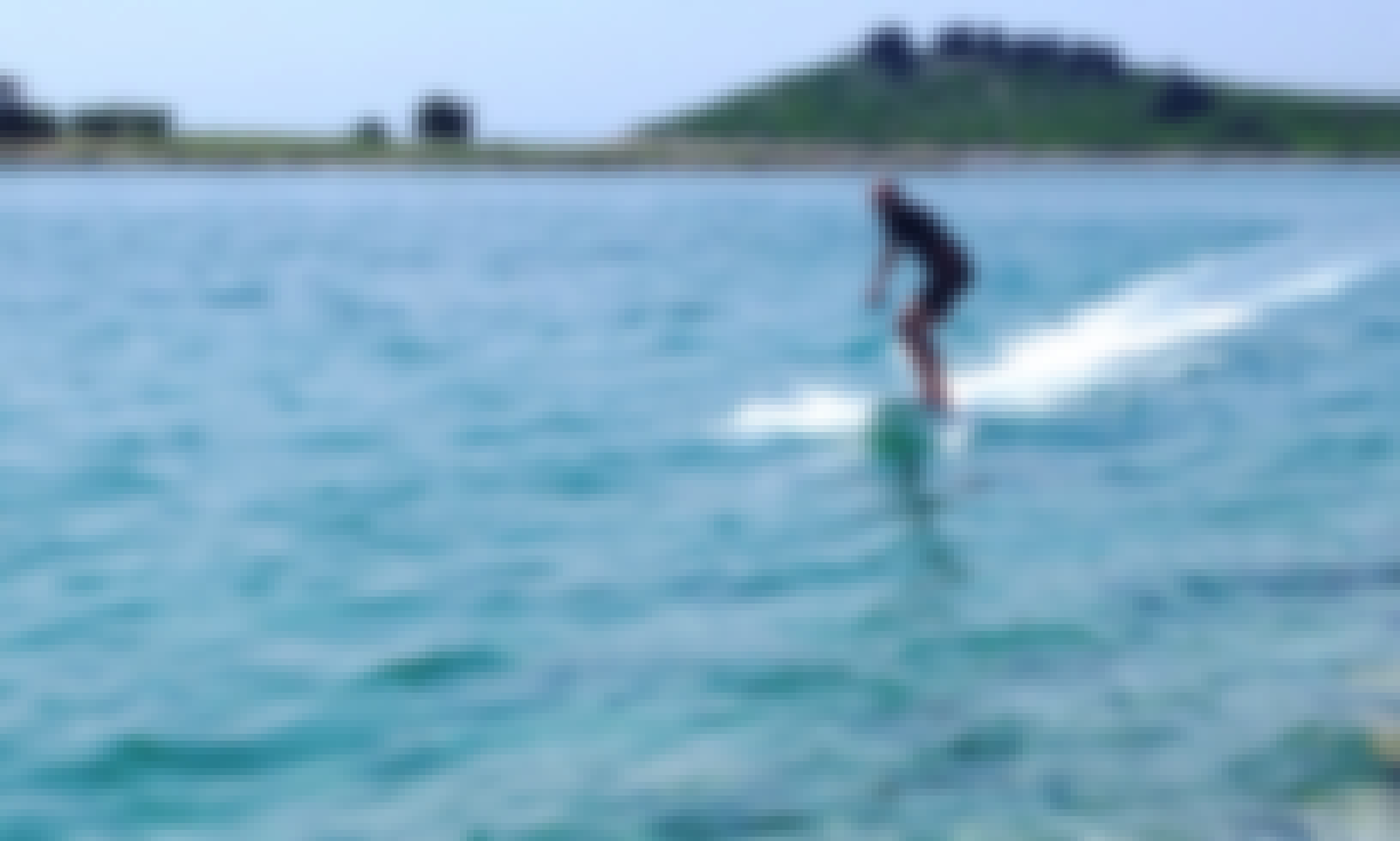Electric surfboard for rent in Trogir, Croatia (SURFER_hr by Poletusa)