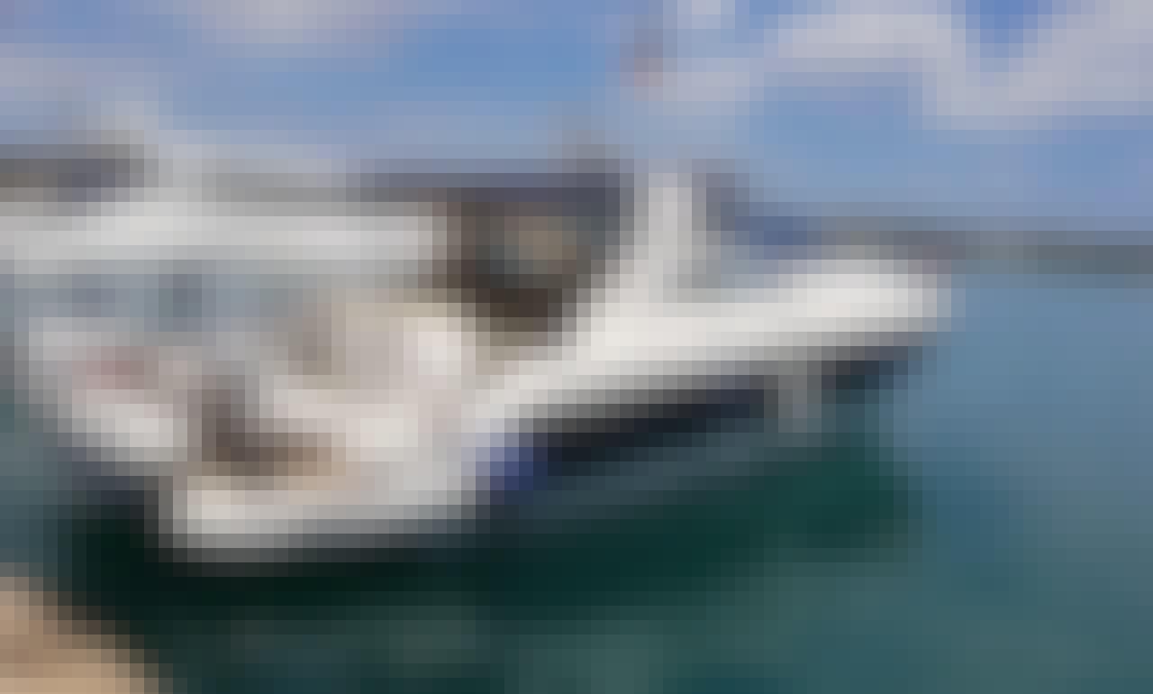 Luxurious Cranchi 43 Yacht Charter in Porto Cheli, Greece