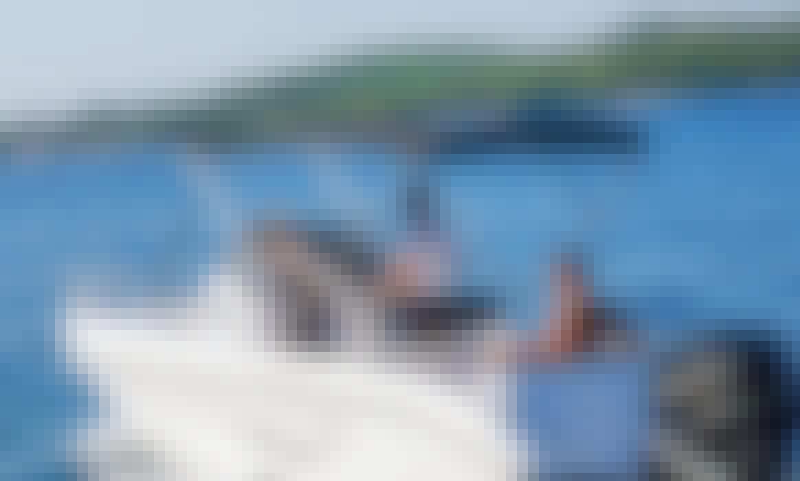 Ranieri 22 Shadow Powerboat - 8 Person Capacity - Rent in Dubrovnik, Croatia!