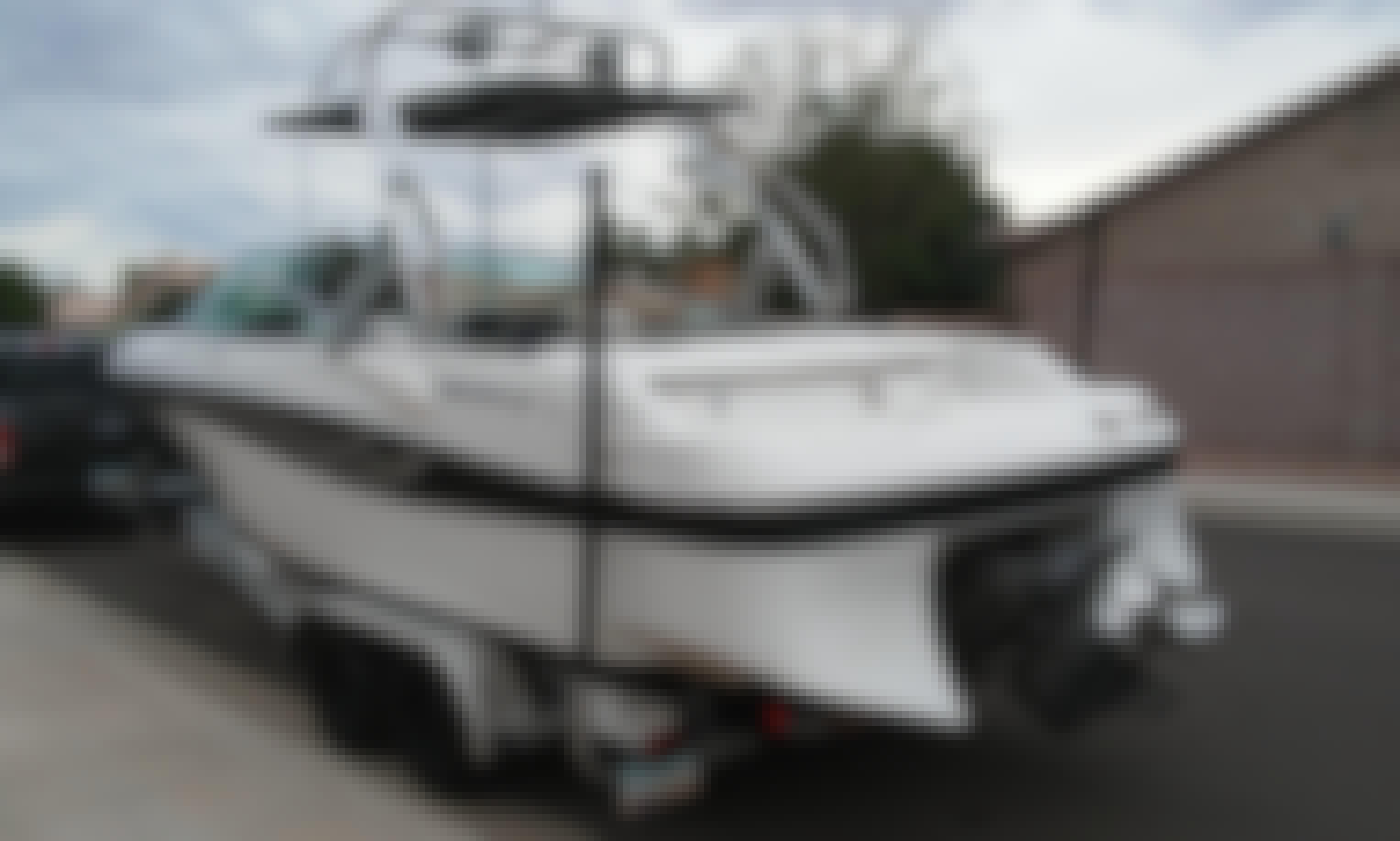 Rent 26' Fourwinns Powerboat in Canyon Lake Arizona - Seats 11