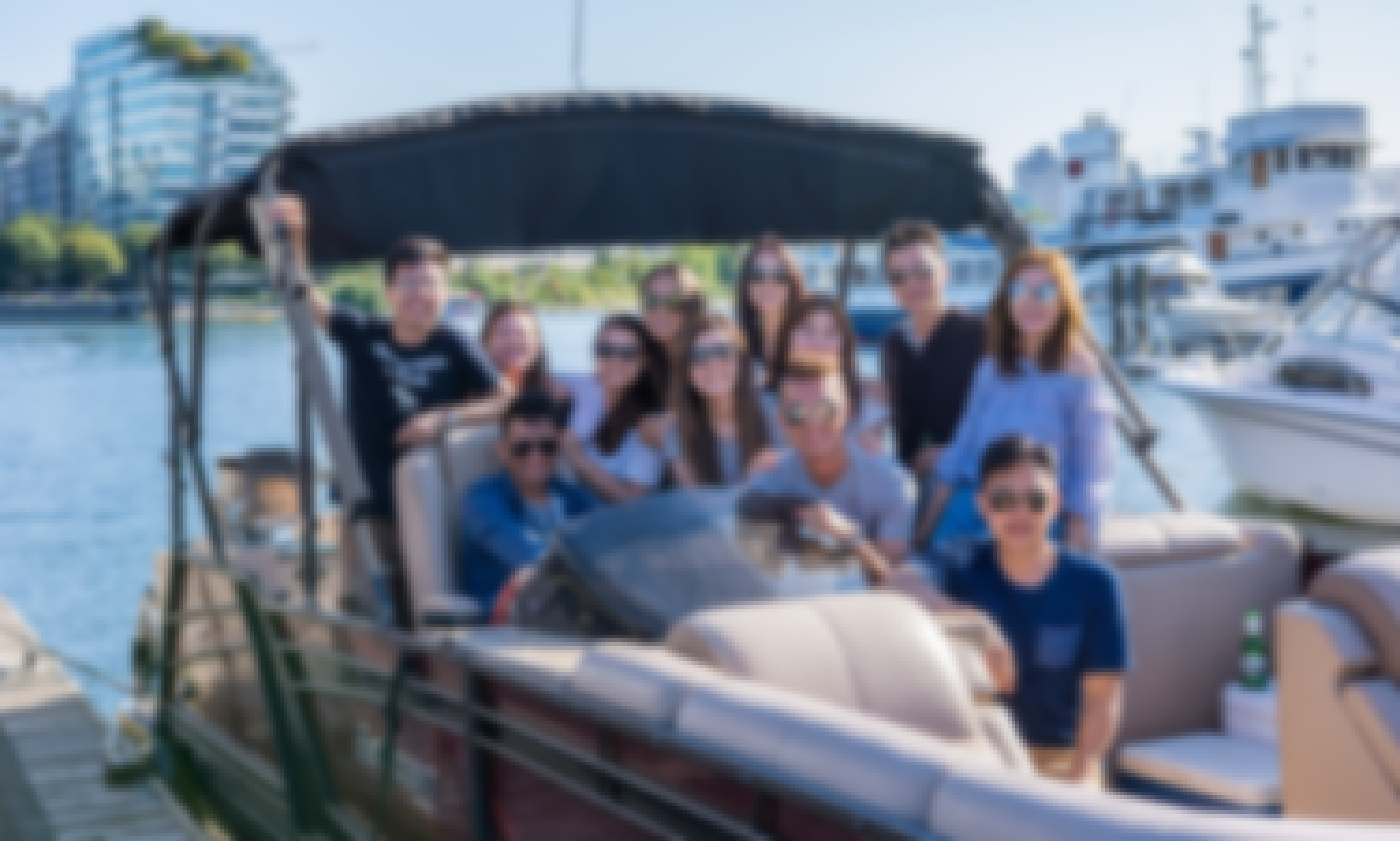 FALL DISCOUNT PRICING! Sanpan Pontoon Boat Rentals in Downtown Vancouver
