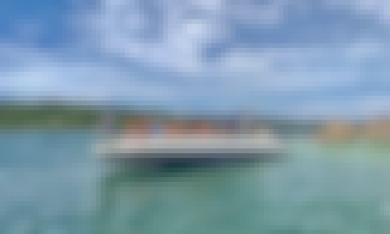 """""""Aurora"""" Speed Boat Rental in Cartagena, Bolívar"""