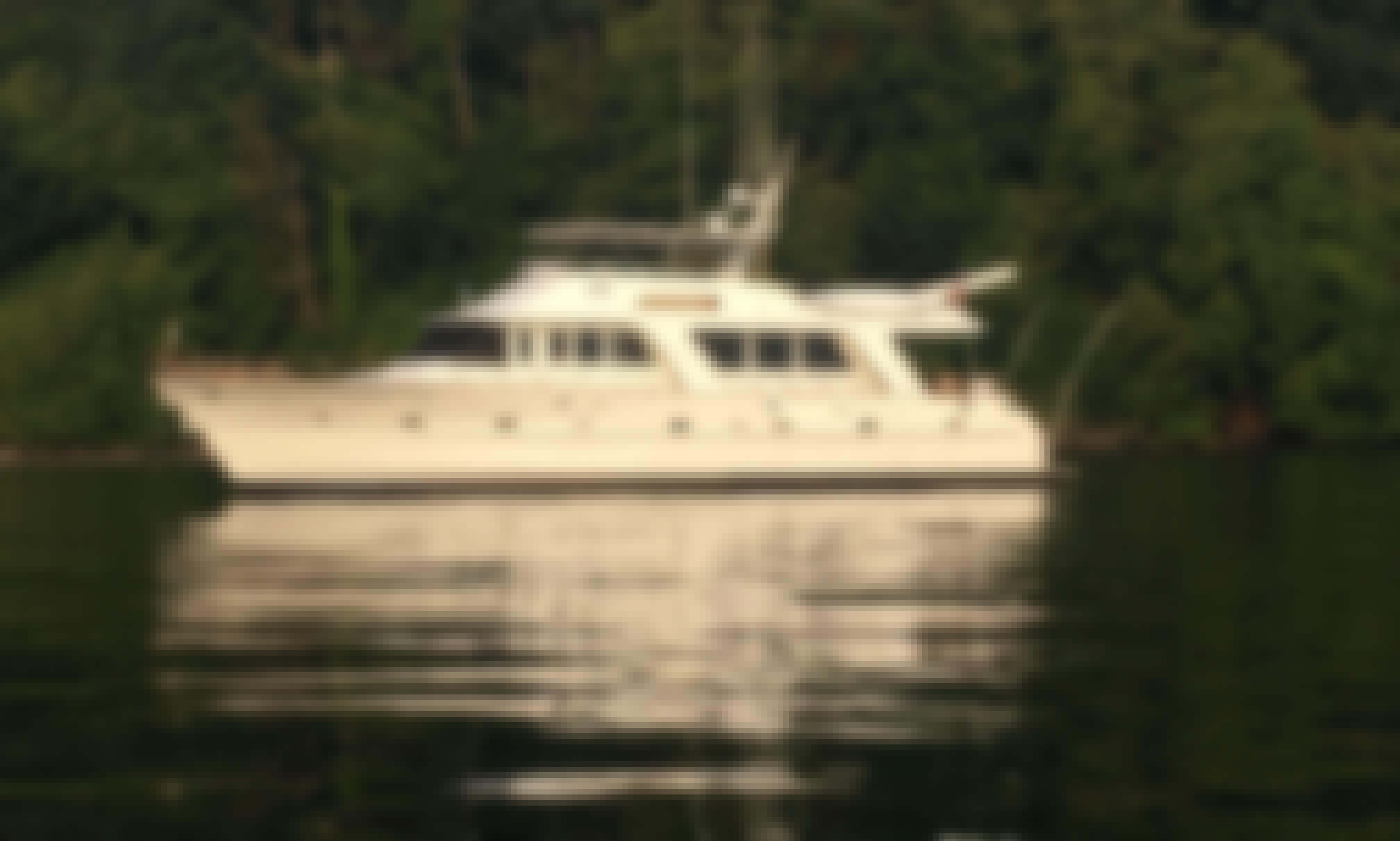76' Luxury Motor Yacht Charter in Seattle, Washington
