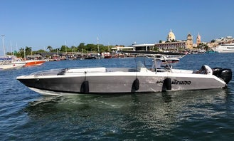 Luxury 42ft Center Console for 22 People in Cartagena, Colombia