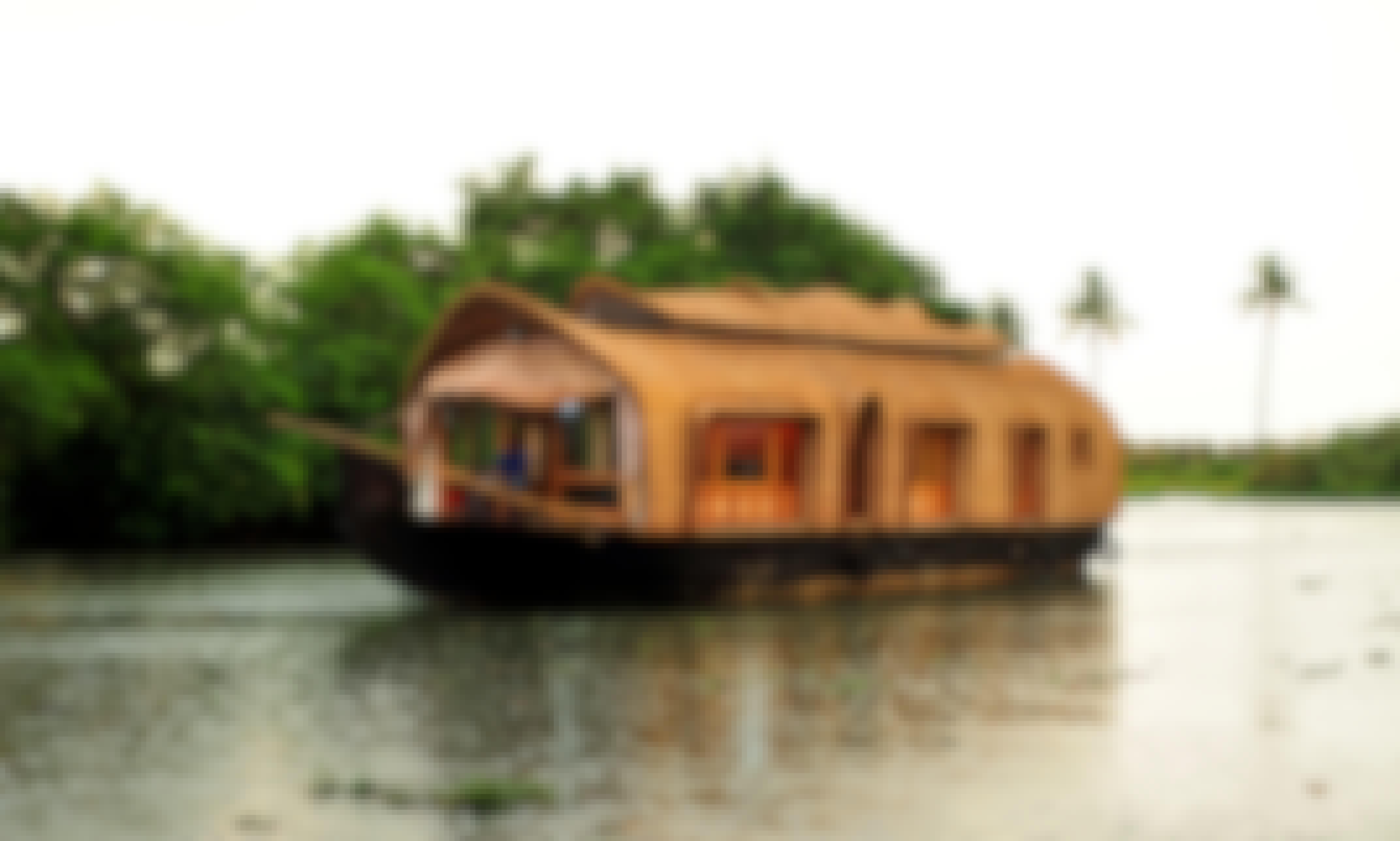 Luxury Houseboat Rental in Pathiramanal Boat Jetty Alleppey, Kerala