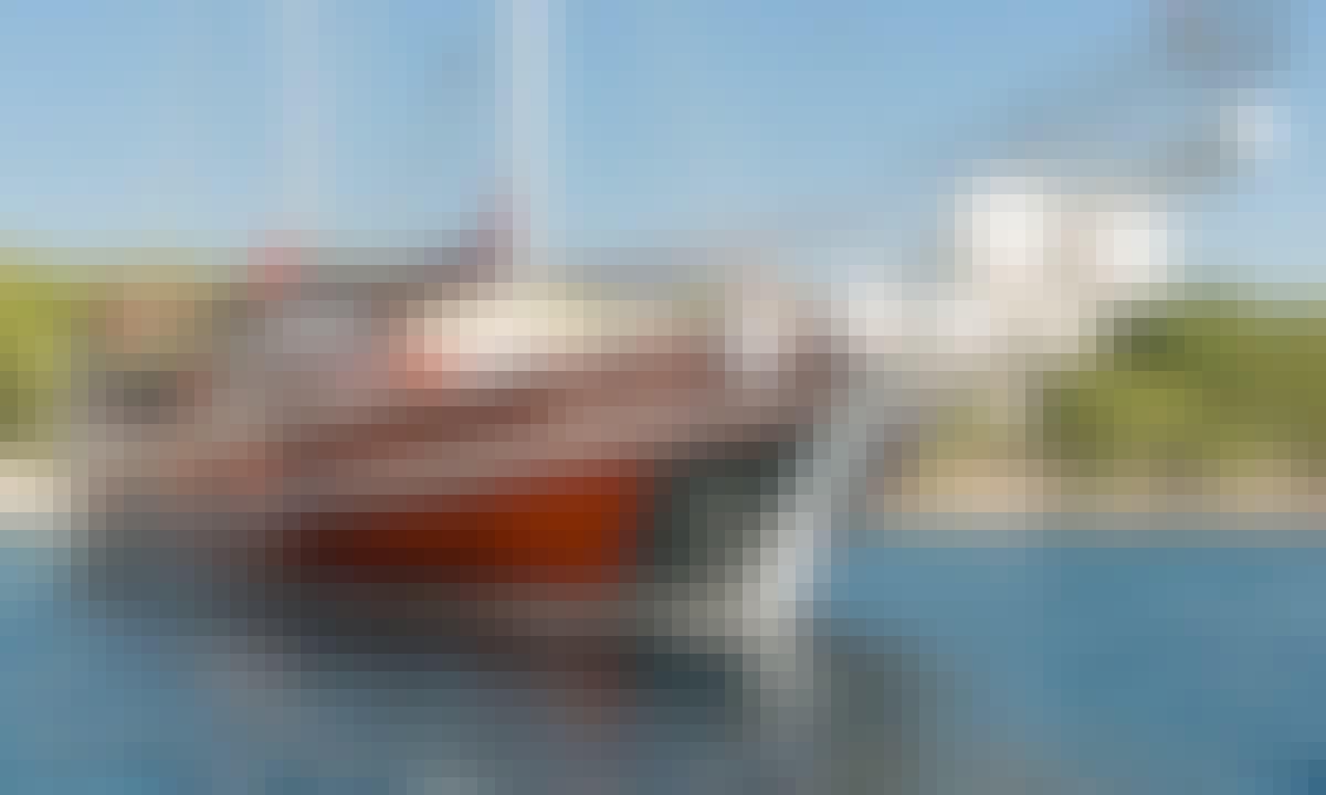 105' Sailing Gulet with Bar, 7 Cabins for 12 Guests in Šibenik, Croatia!