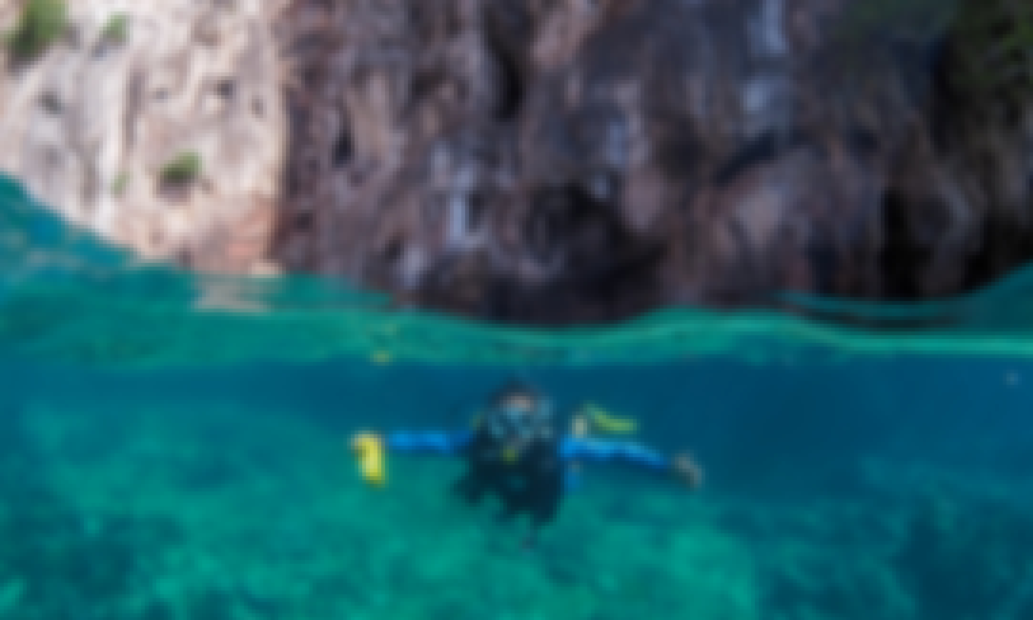 SCUBA DIVING TRIP in Phi Phi ISLAND. No Experience necessary!