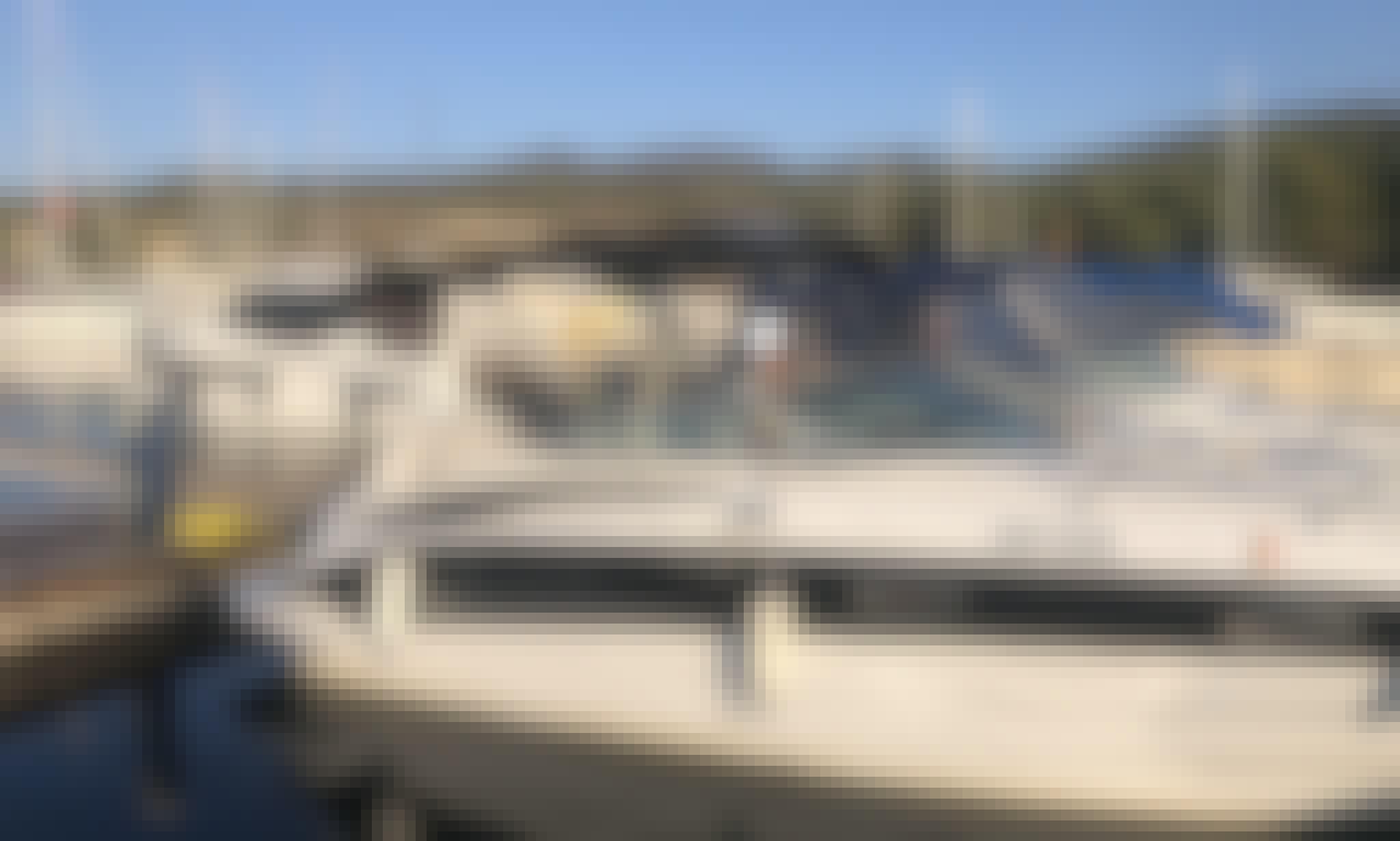 Crownline 250 CR - Diesel for Rent in Kalamaria, Greece!
