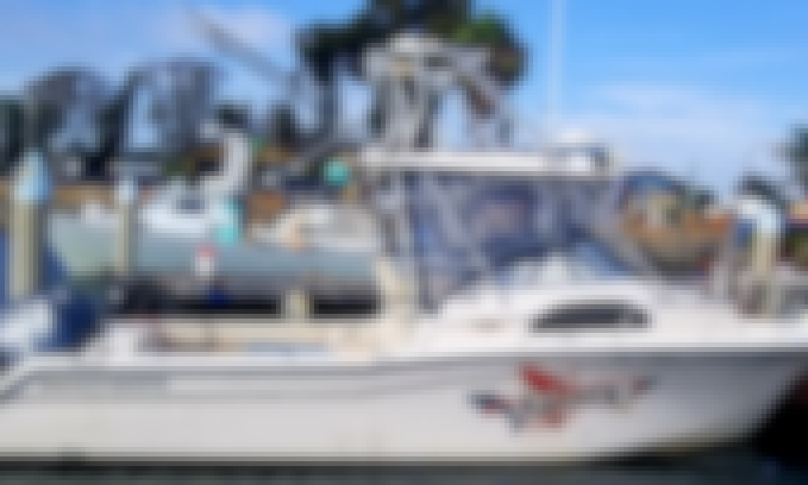 Cruise the San Diego Coastline with 29' Grady White for up to 6 people