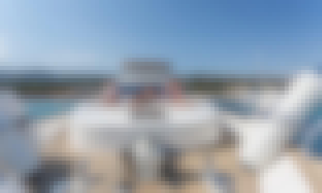 """Isaba"" Astondoa 72GLX Motor Yacht Rental in El Toro, Illes Balears"
