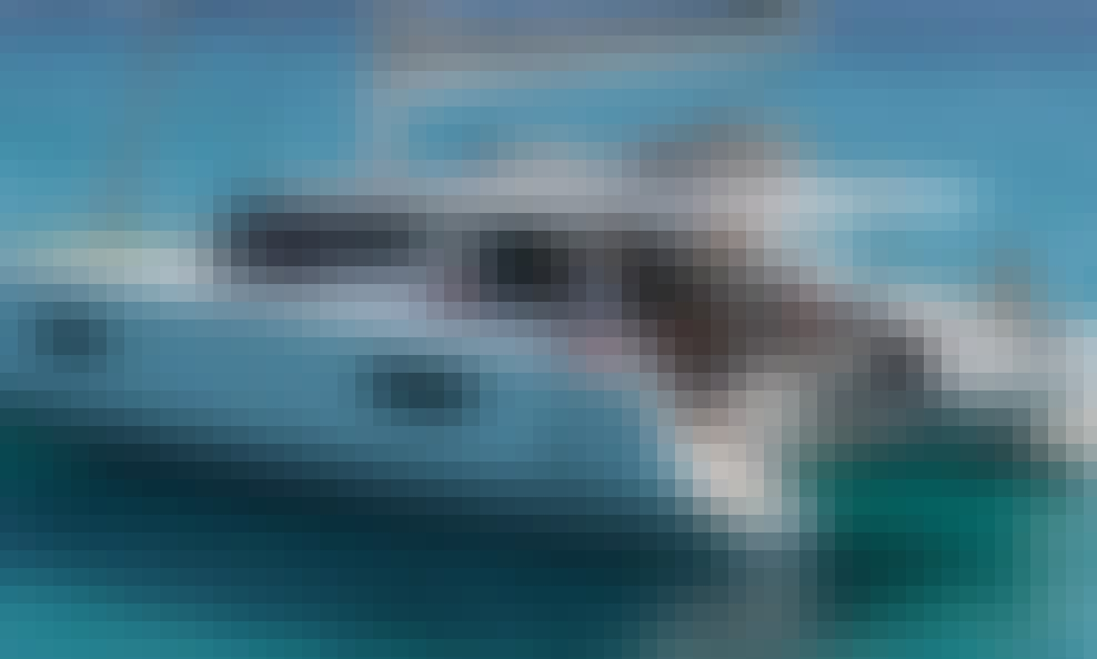 Saona 47 Cruising Catamaran for 11 People in Road Town, Tortola