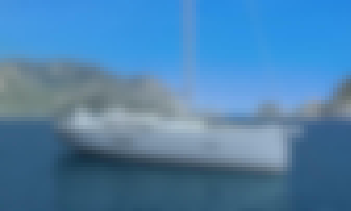 Dufour 520 GL Cruising Monohull in Road Town, Tortola