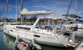 "Charter the ""Stella"" Beneteau Oceanis 45 Cruising Monohull in True Blue, Saint George"
