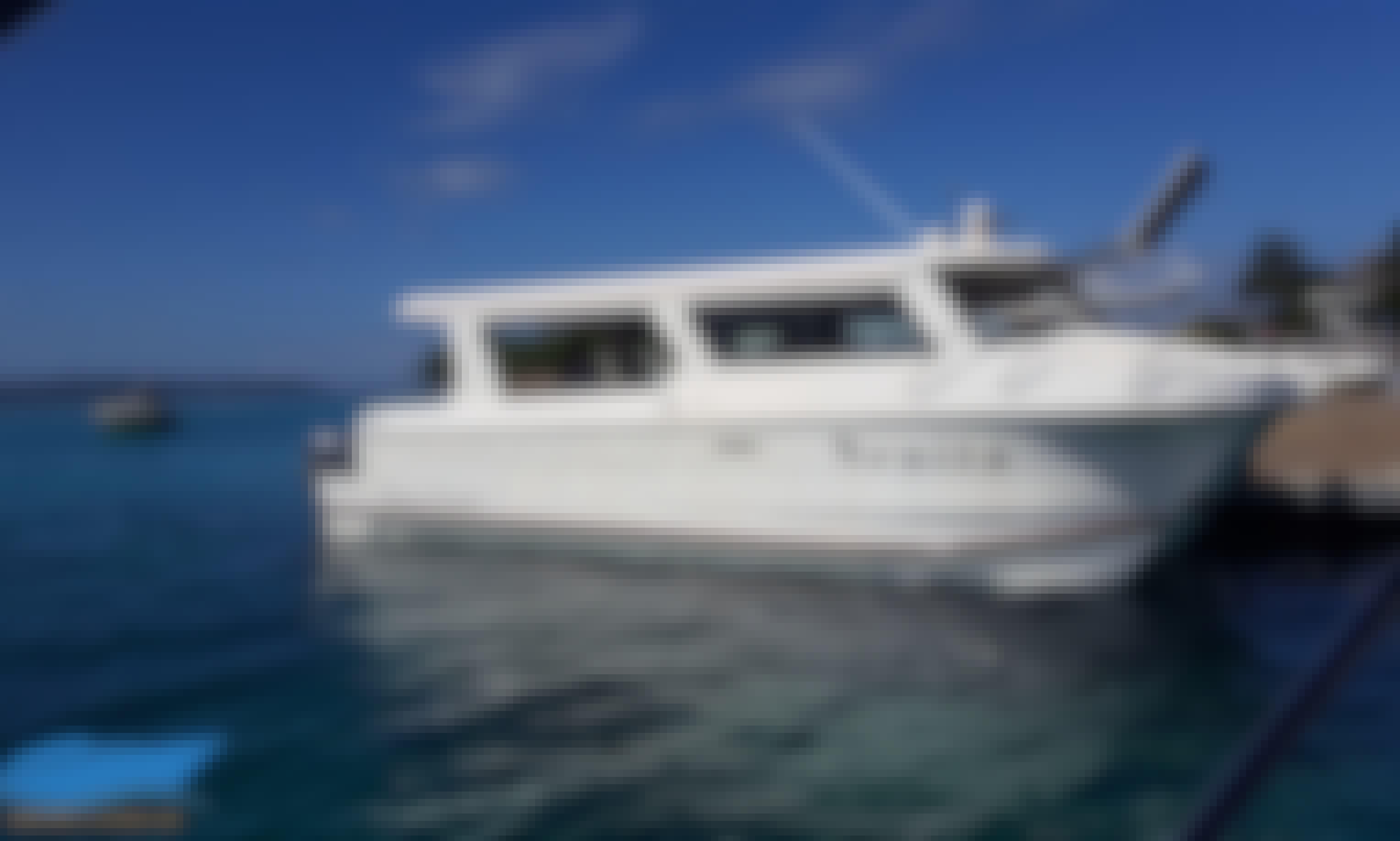 """Charter 31' Power Catamaran """"Nenita"""" in Davao, Philippines!"""