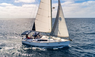 Private Charters aboard a Beneteau 40 Cruising Monohull in San Diego