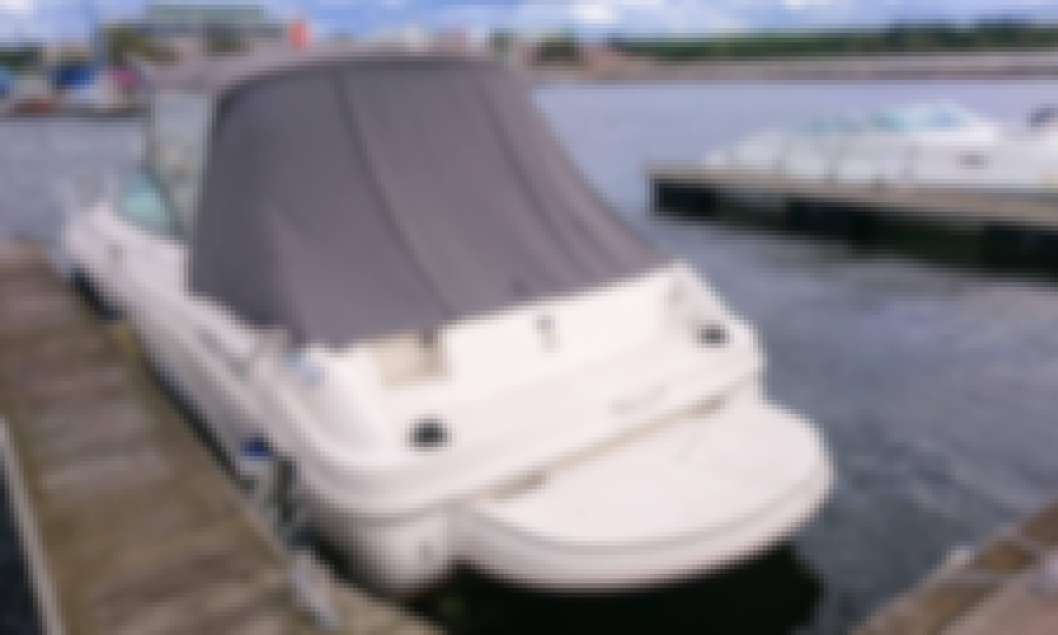 Sea Ray 225 Weekender Powerboat for Rent in Tallinn, Estonia