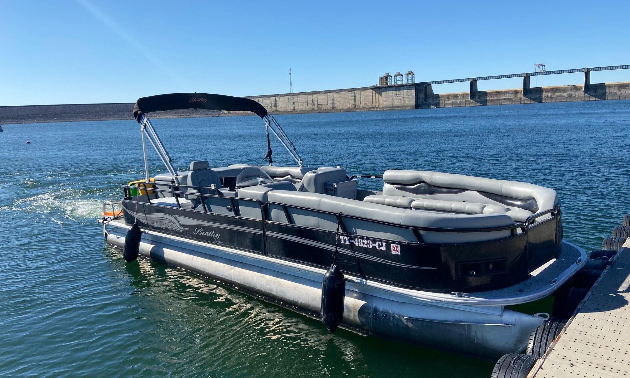 Spacious 25 Bentley Encore On Lake Travis Getmyboat
