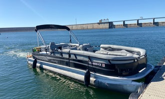 BEST OF 2019 AND SUPER OWNER AWARDS! Spacious 25' Bentley Encore on Lake Travis!