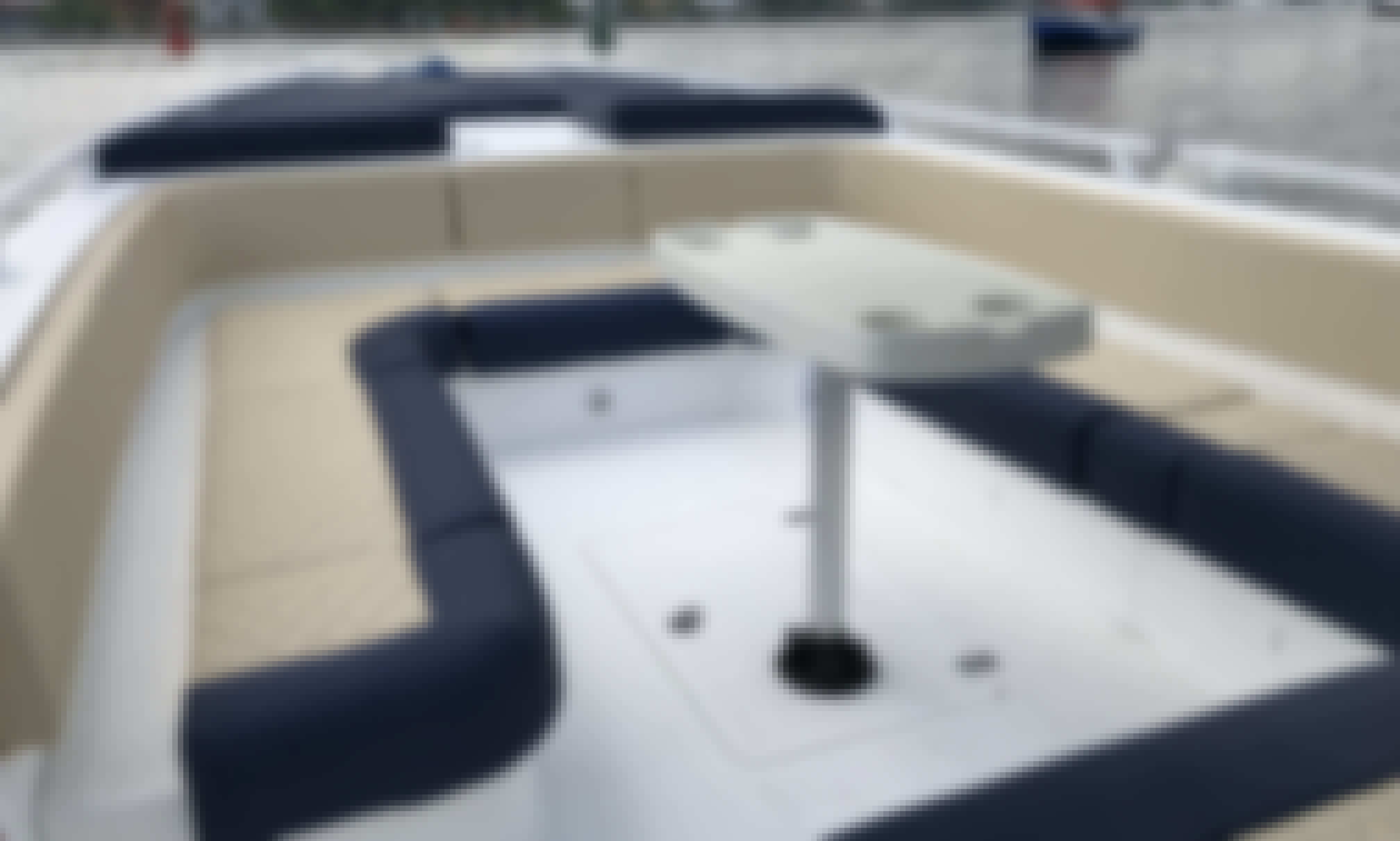 32 Feet Luxury Private Boat with Sundbeds in Cartagena, Colombia