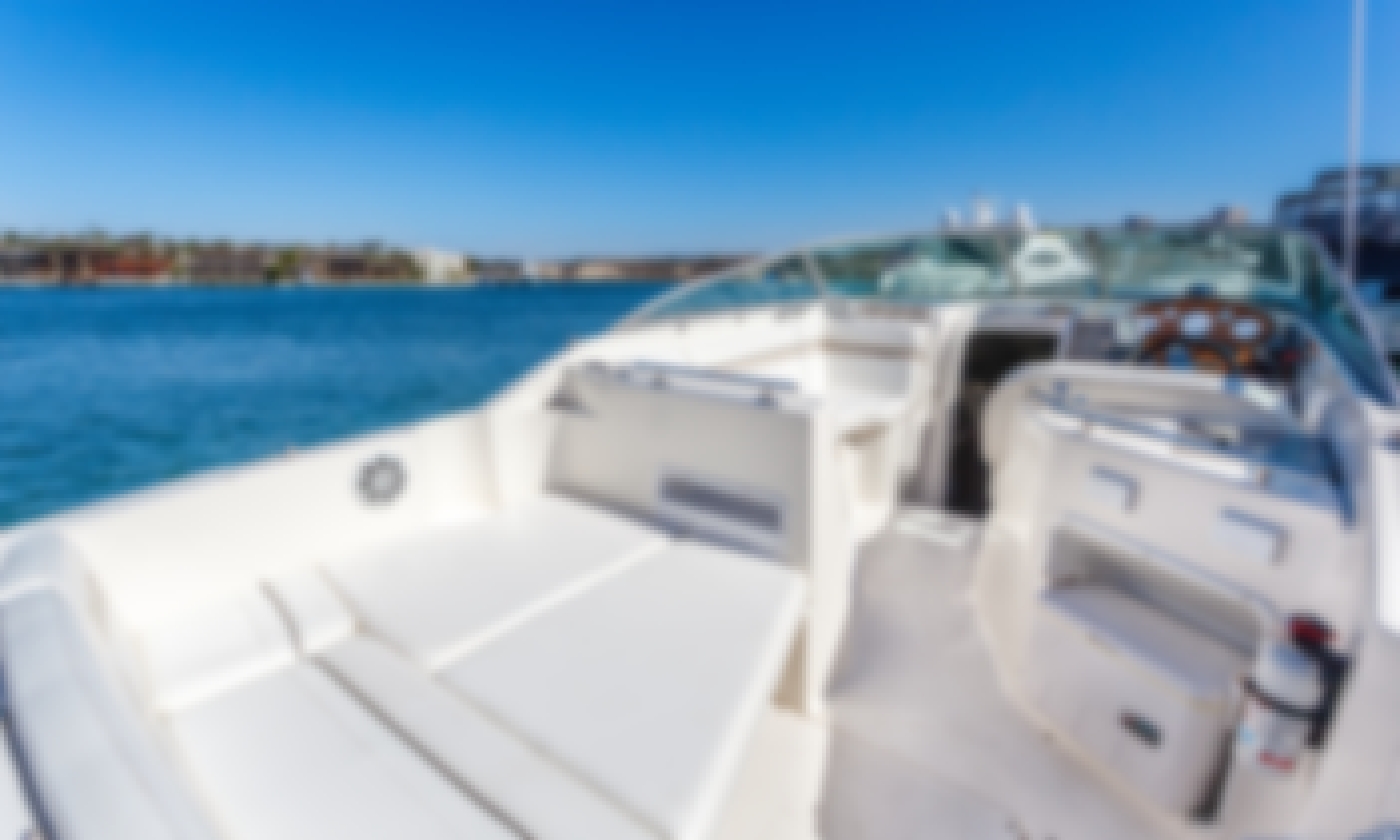 Beautiful Rinker Motor Yacht for 10 Person in Newport Beach (FAST)