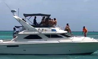 Explore the Beauty of Oranjestad, Aruba Aboard a Motor Yacht for 20 People