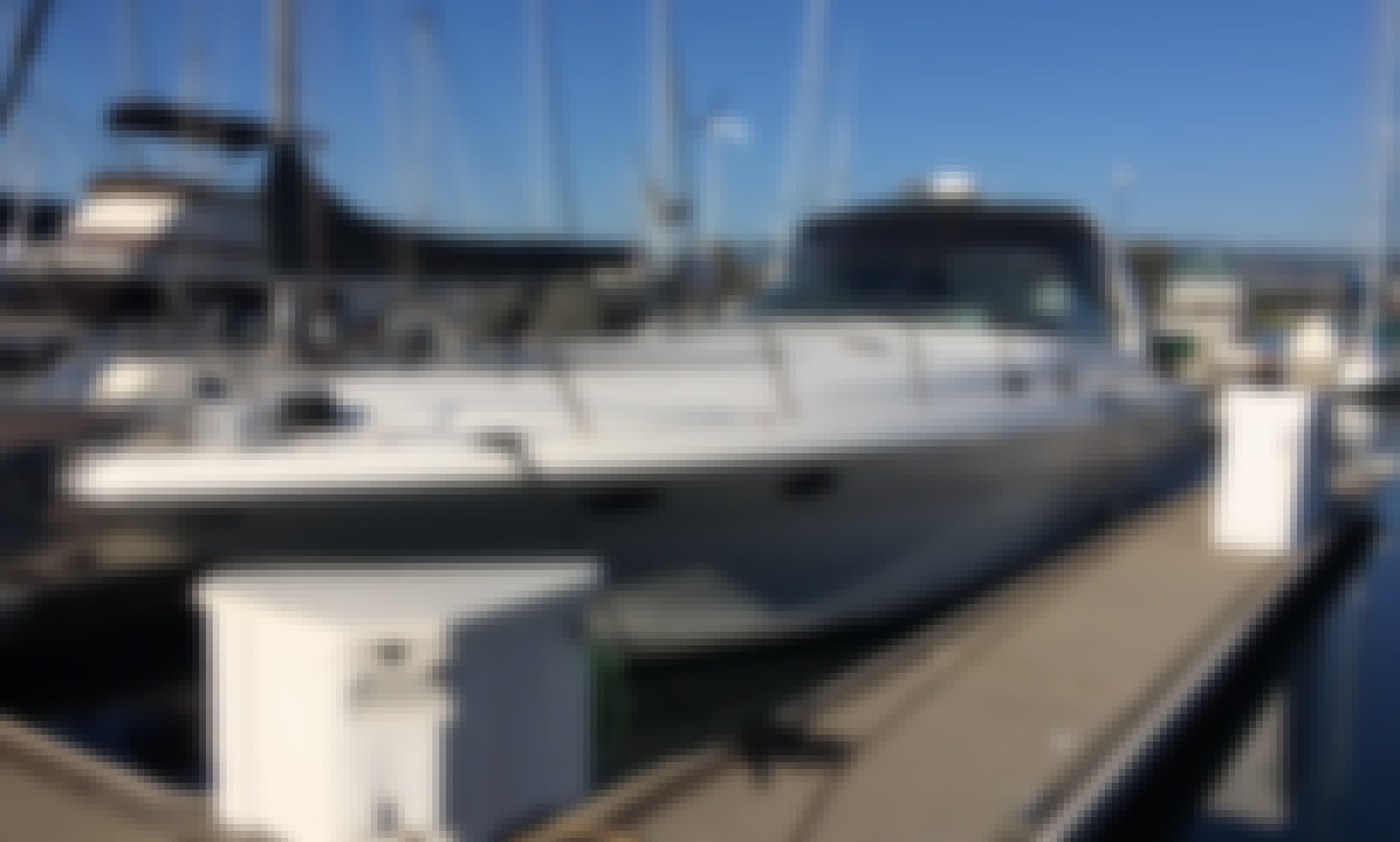 Charter Sea Ray Sundancer 400 Motor Yacht One & Only in San Francisco, California (Boat is slipped in Alameda/Oakland)