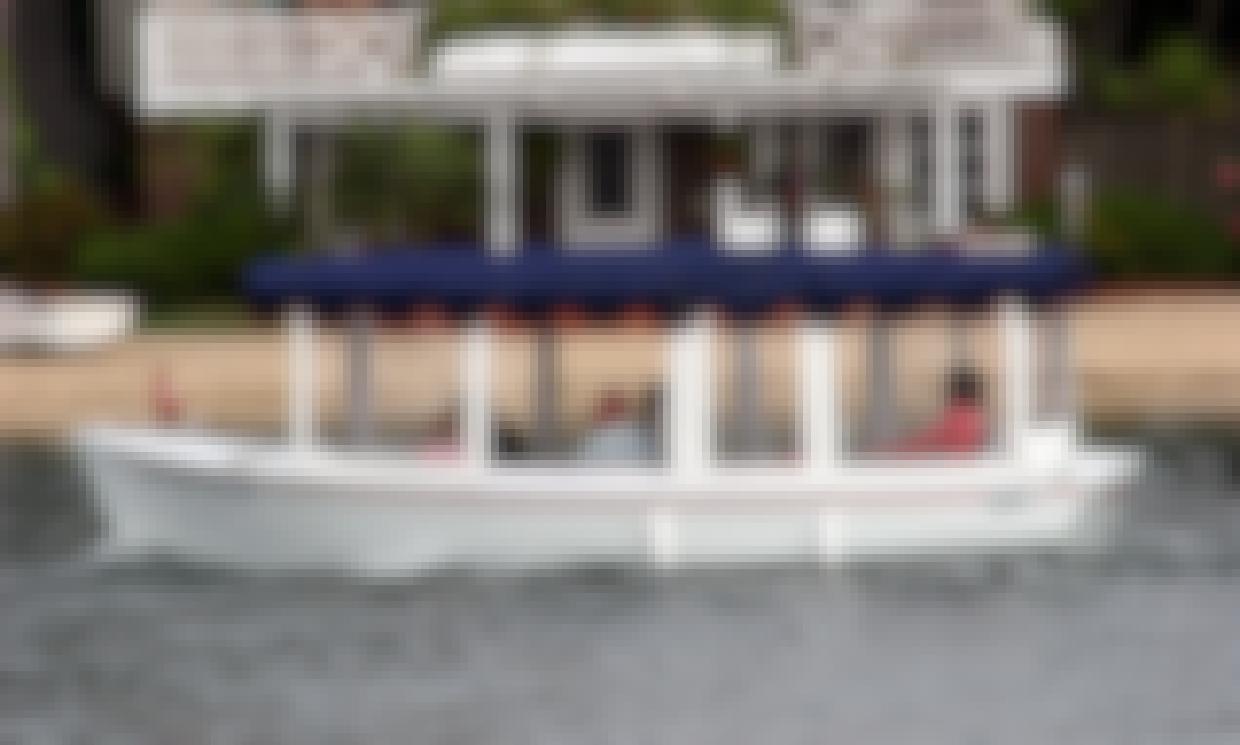 Hire a 21' Duffy Electric Boat on Lake Union