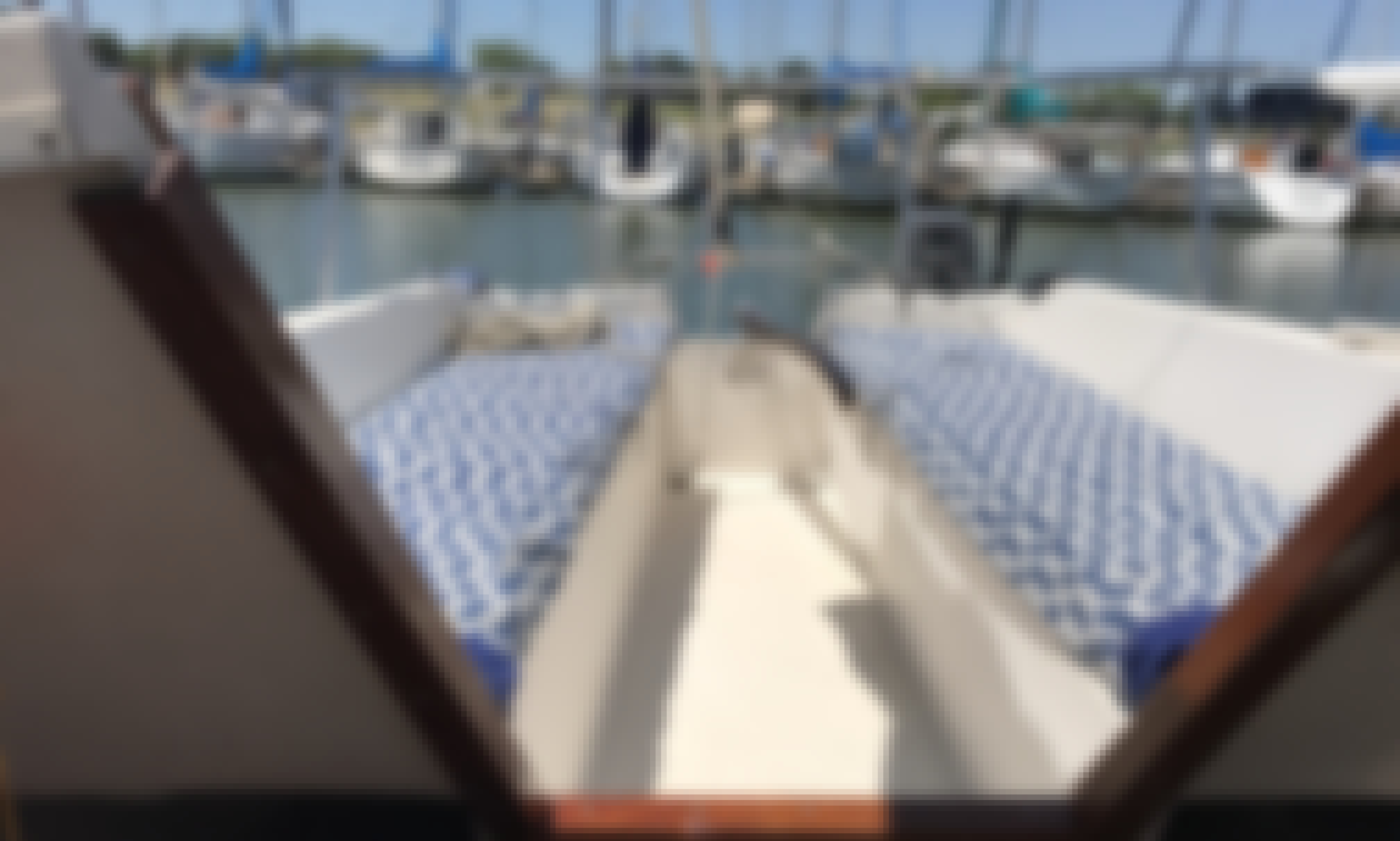 Charter the Catalina 25 Sailing Yacht in Grapevine, Texas