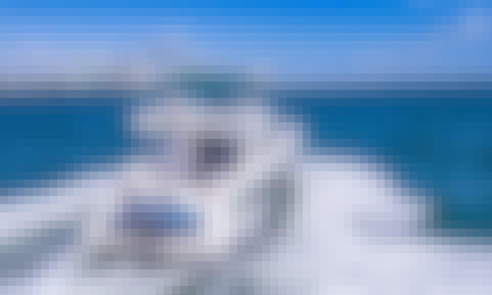 2014 Azimut Motor Yacht Rental in Miami Beach, Florida