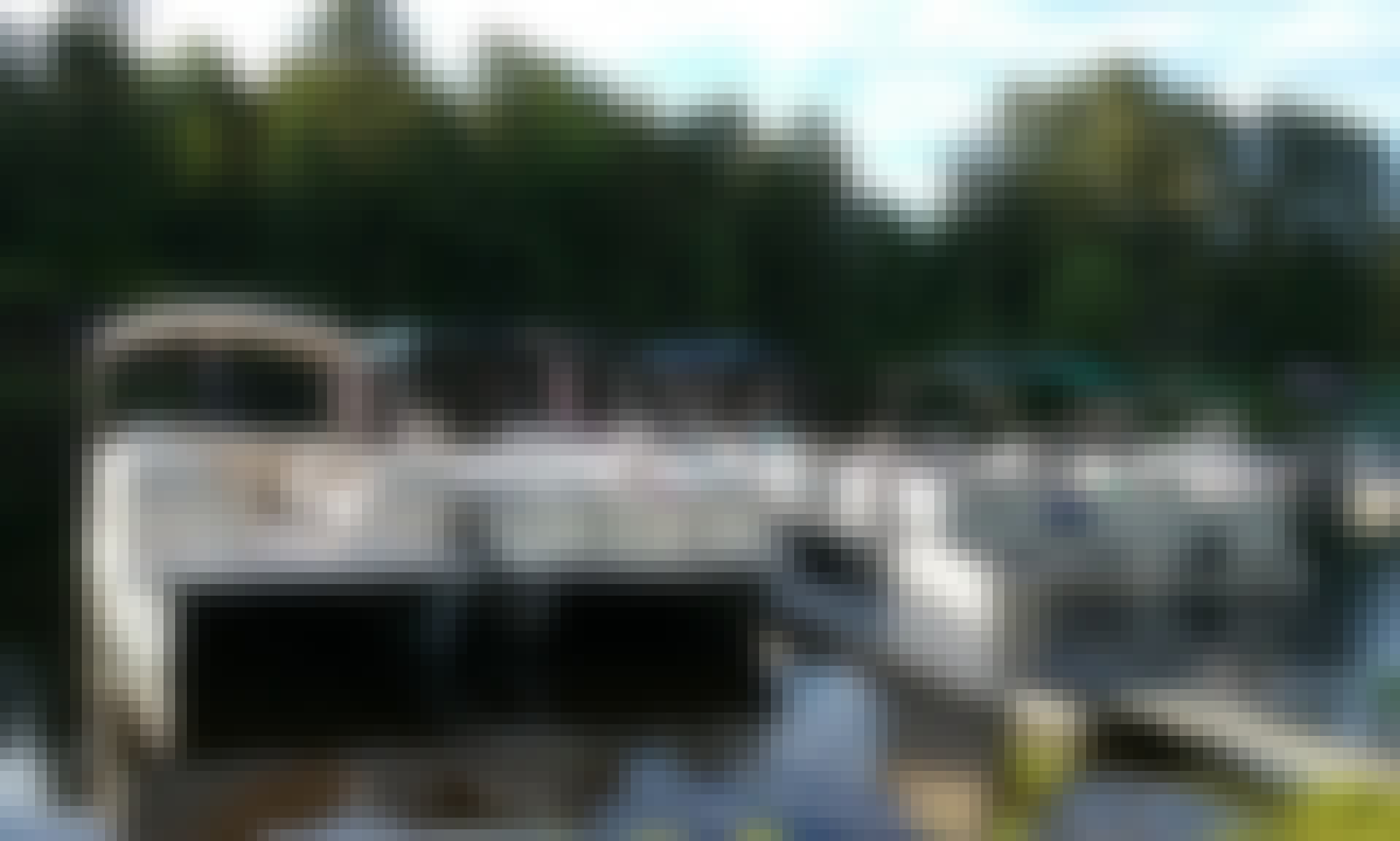 20ft Pontoon Boat Rental in Rockwood, Maine