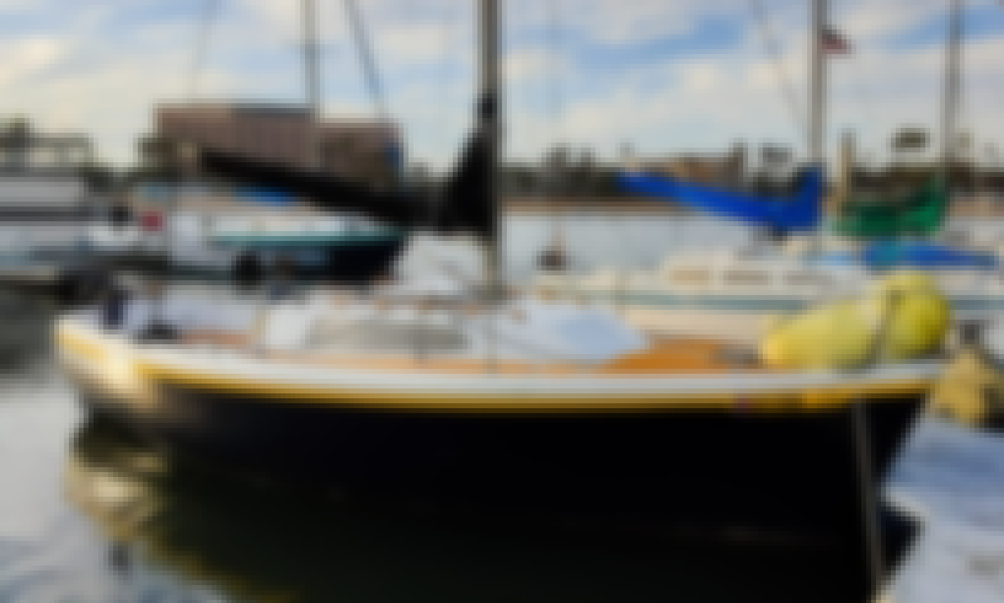 Sailing in Marina del Rey