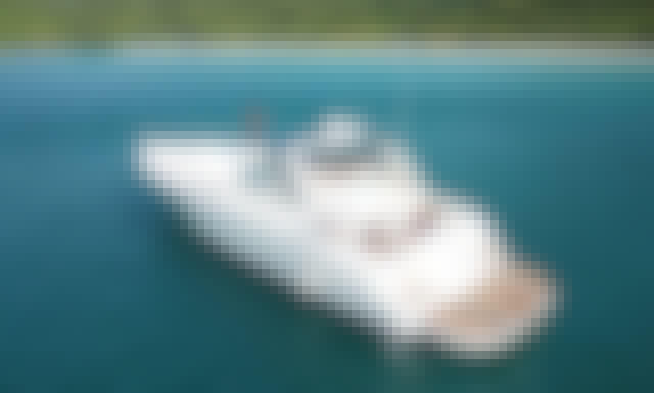 46 ft Motor Yacht Lady Linda for Rent at Pattaya, Thailand.
