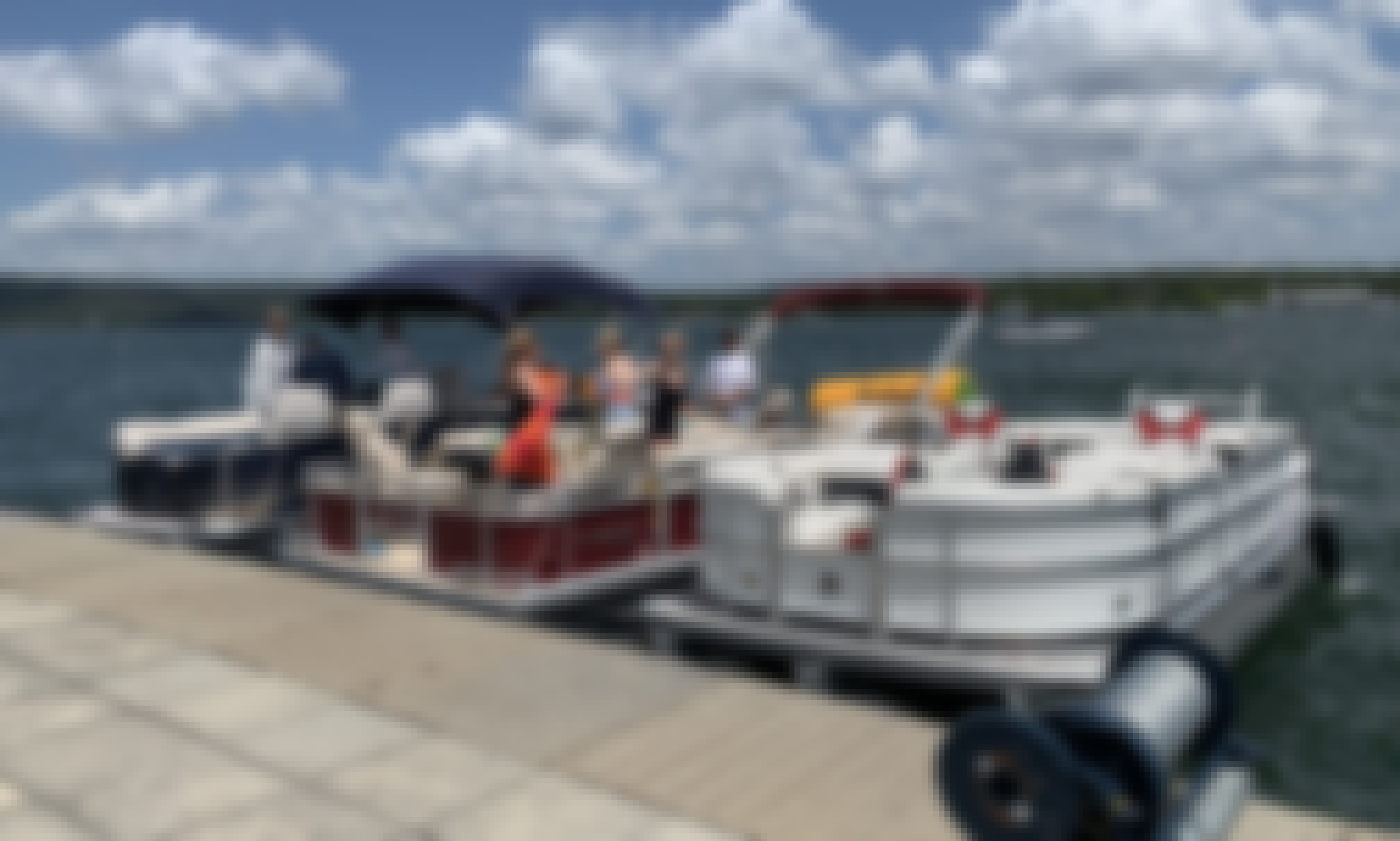 24' Tritoon Party Boat on Lake Travis! 12, 15, and 18 Person!