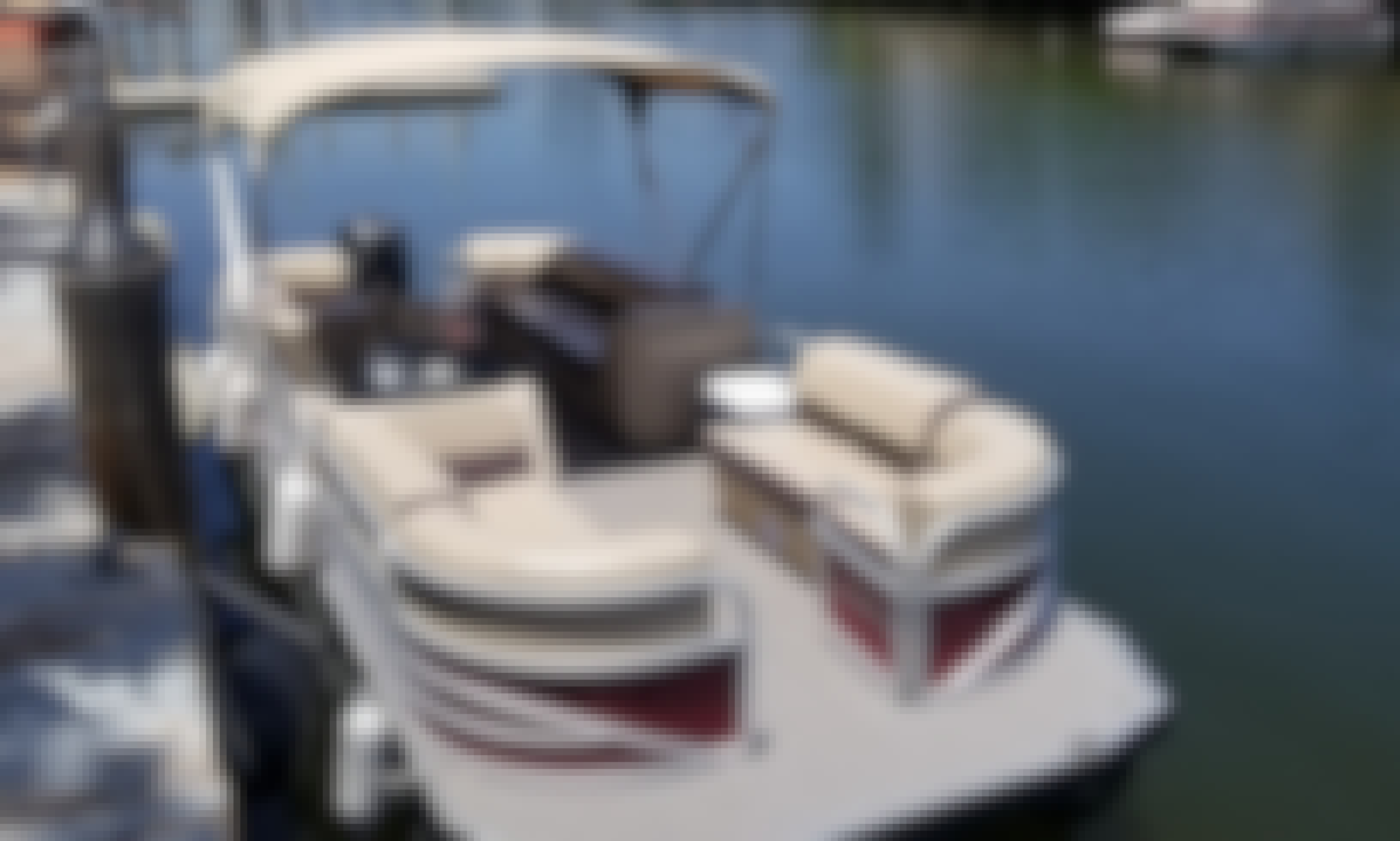 Charter this SunTracker 22DLX Pontoon for Up to 10 People in Hollywood, Florida