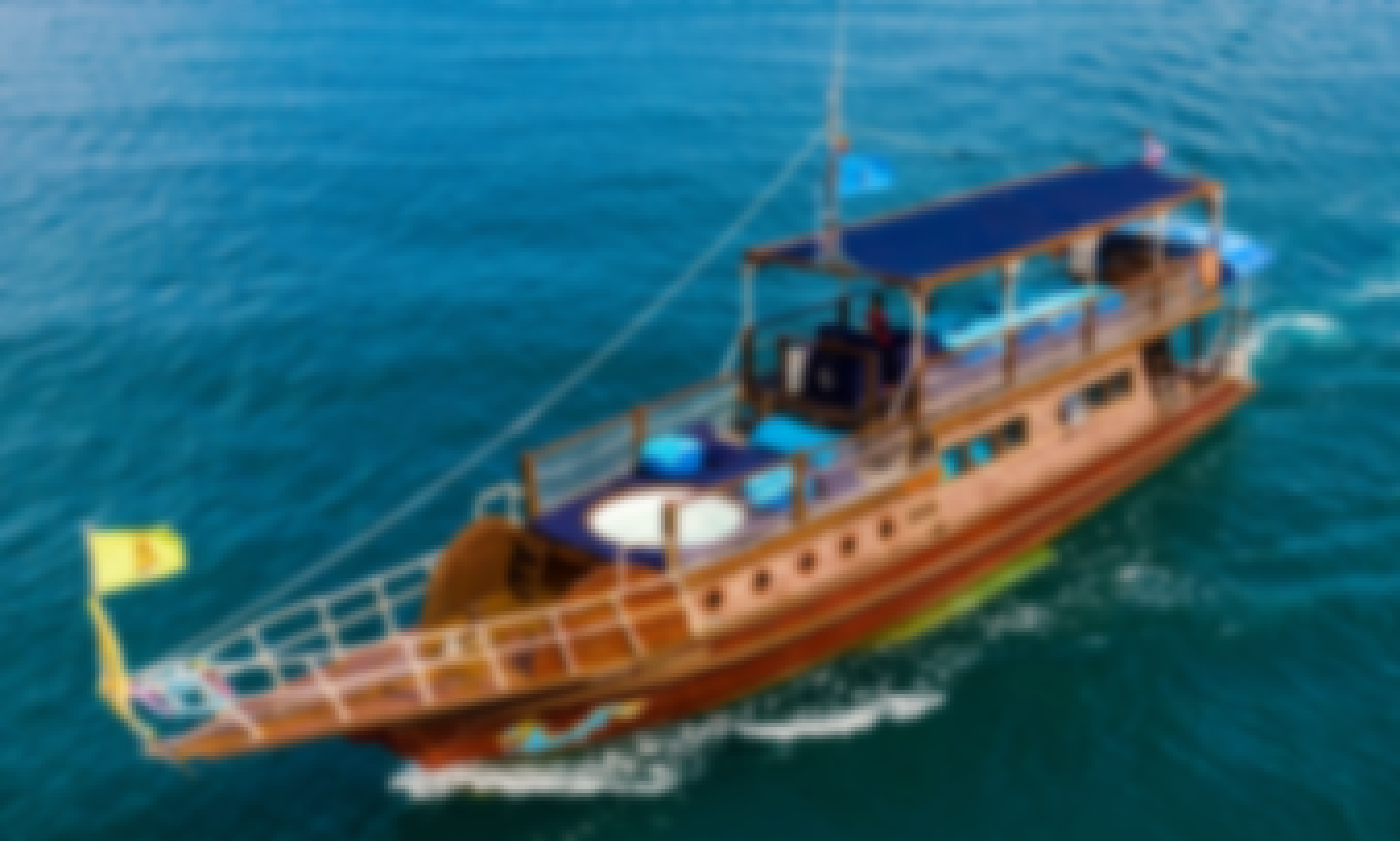 PRIVATE TOUR - Blue Dragon Classic Thai Yacht to Ang Thong Marine Park