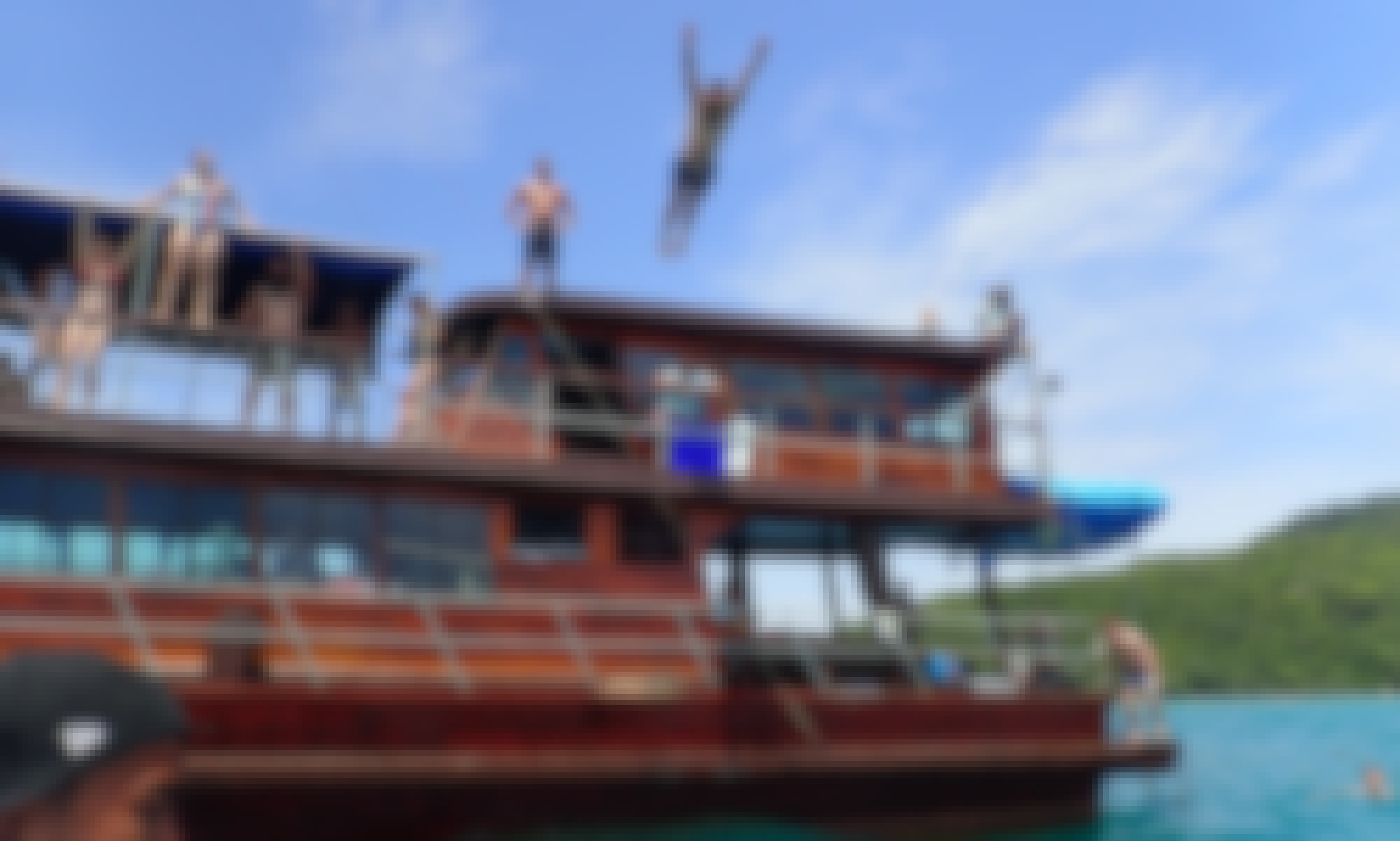 PRIVATE TOUR - Red Dragon Classic Thai Yacht to Koh Taen