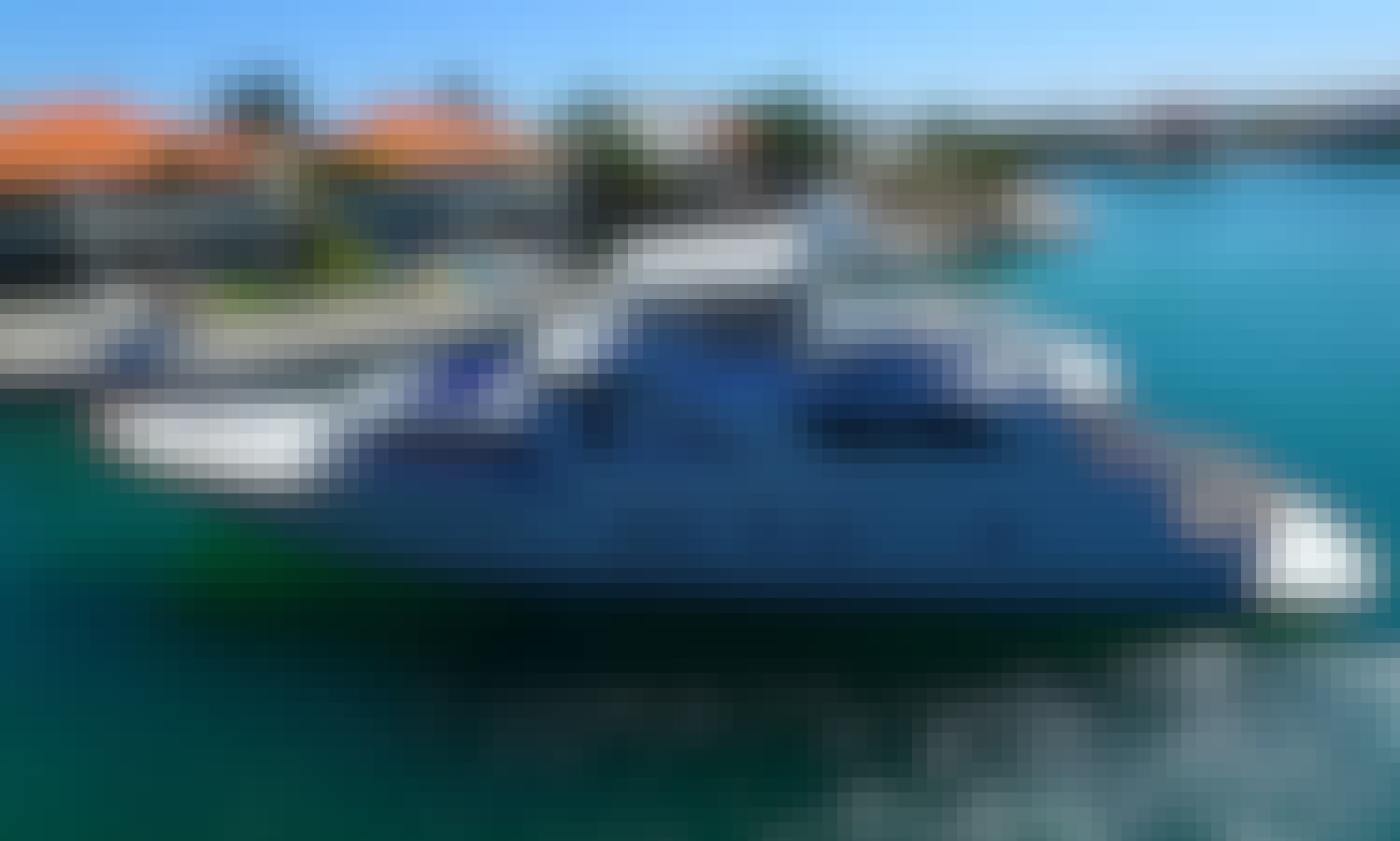 Charter the 80' Motor Yacht Rental near Cancún (Menu and Bar Included Onboard)