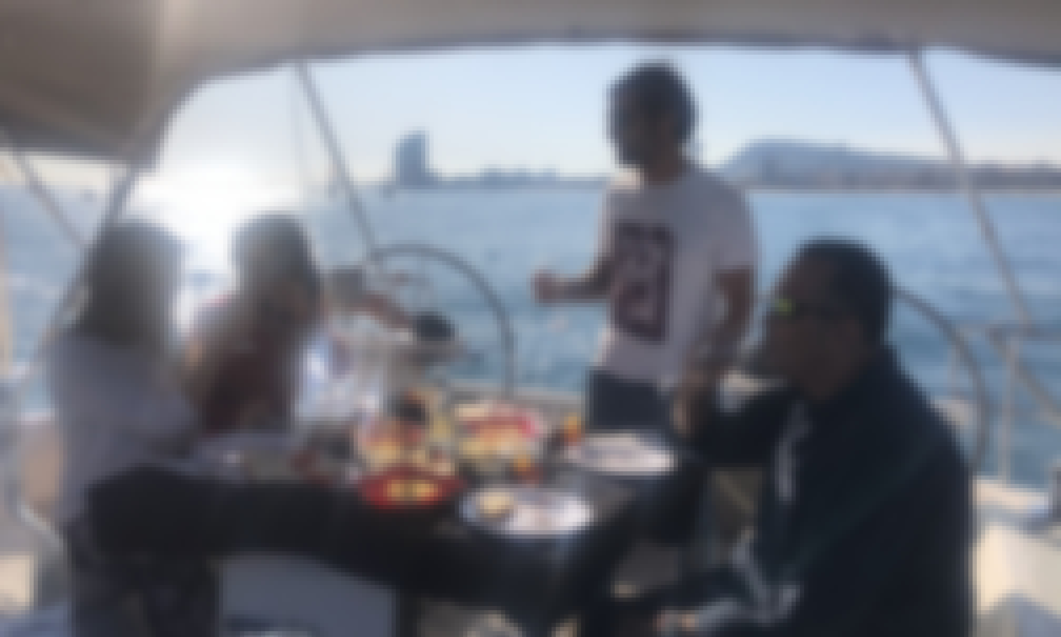 Enjoy this Barcelona Sailing Tapas Trip With Us!