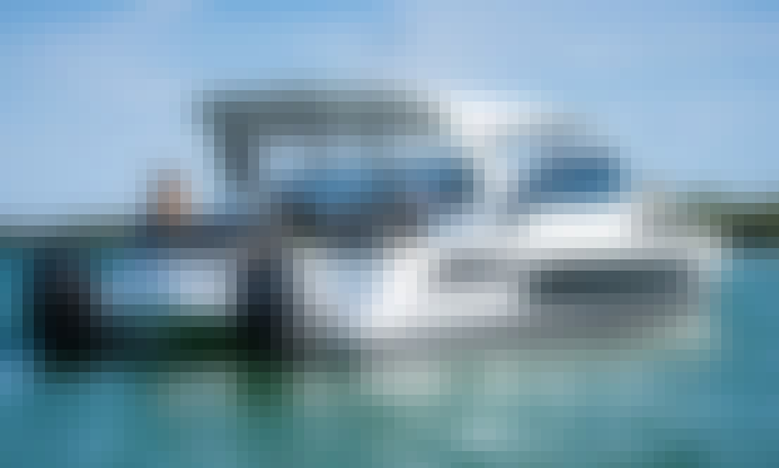 36' Aguila Power Catamaran for 10 people in Tambon Mai Khao, Phuket