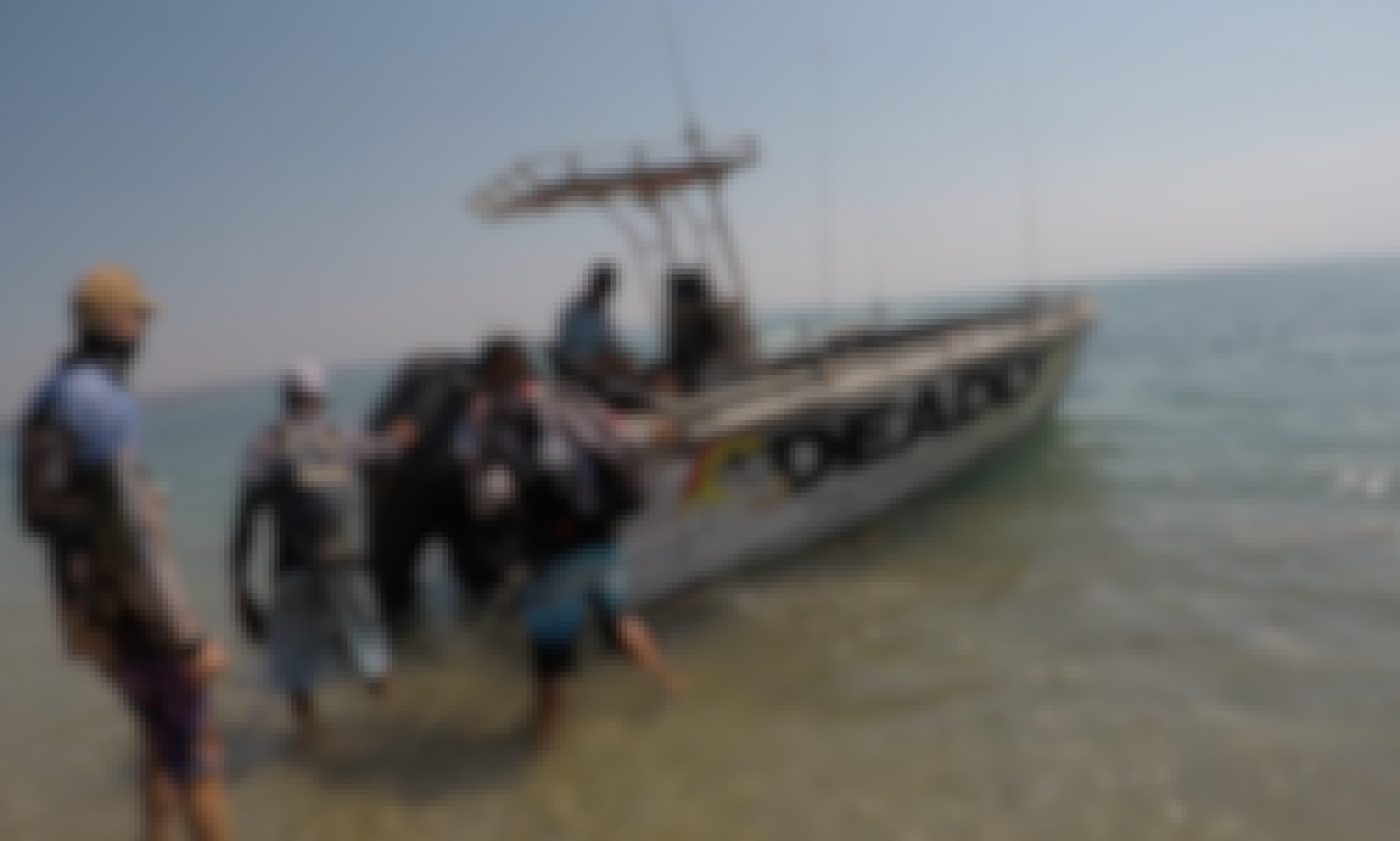 """""""Deadly""""  Boat Charter in Darwin, Australia"""