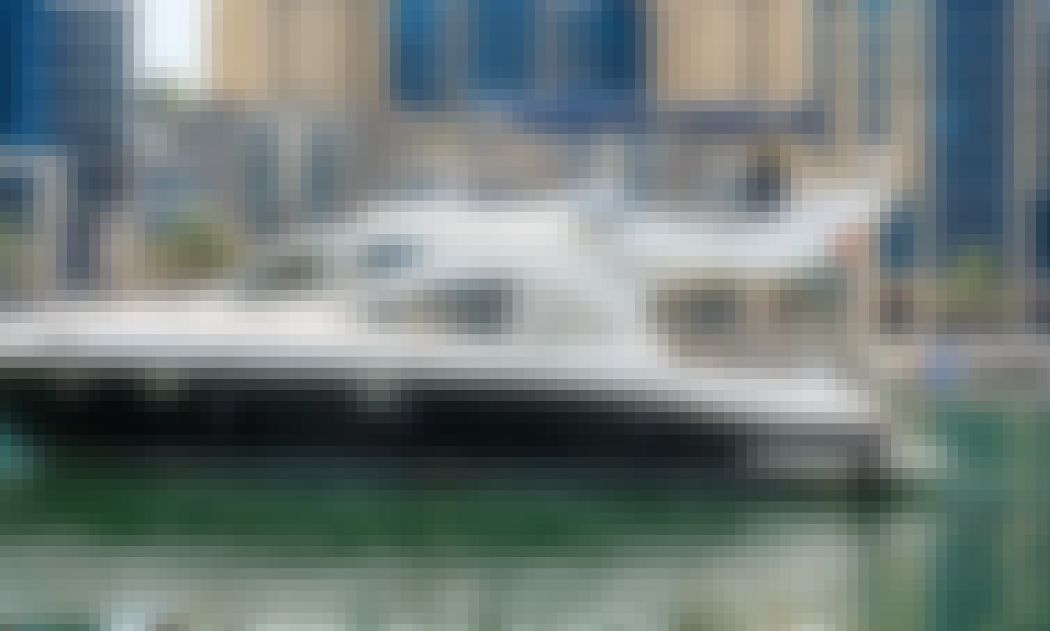 "Book the Luxury M/Y ""W"" Majesty Motor Yacht in Dubai!"