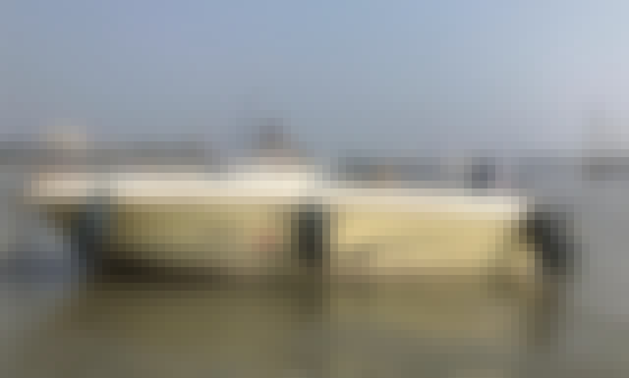 16ft Cap Camrat Boat Rental in Mumbai, Maharashtra