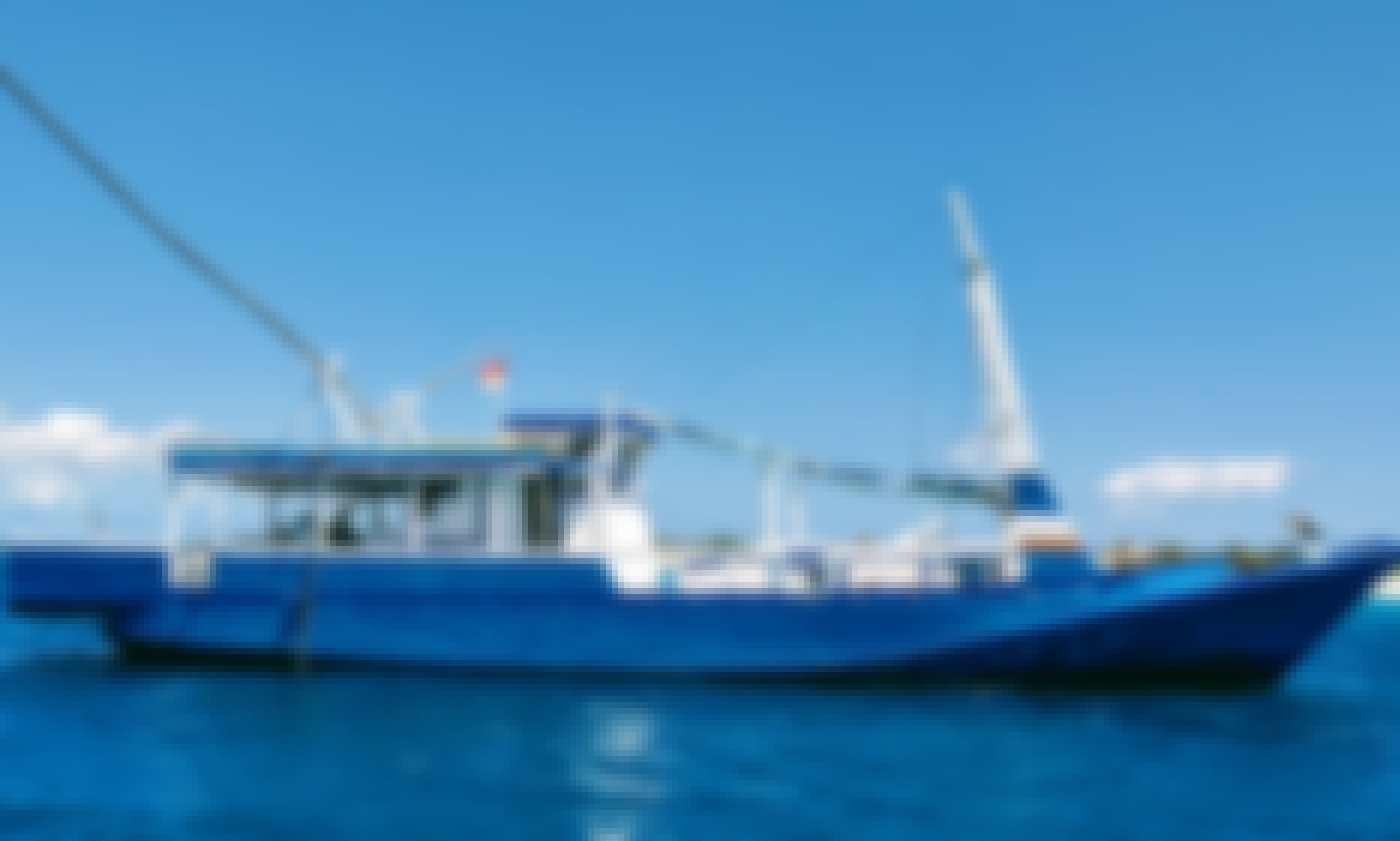 Fishing Boat for 6 People in Rote Barat, Nusa Tenggara Timur