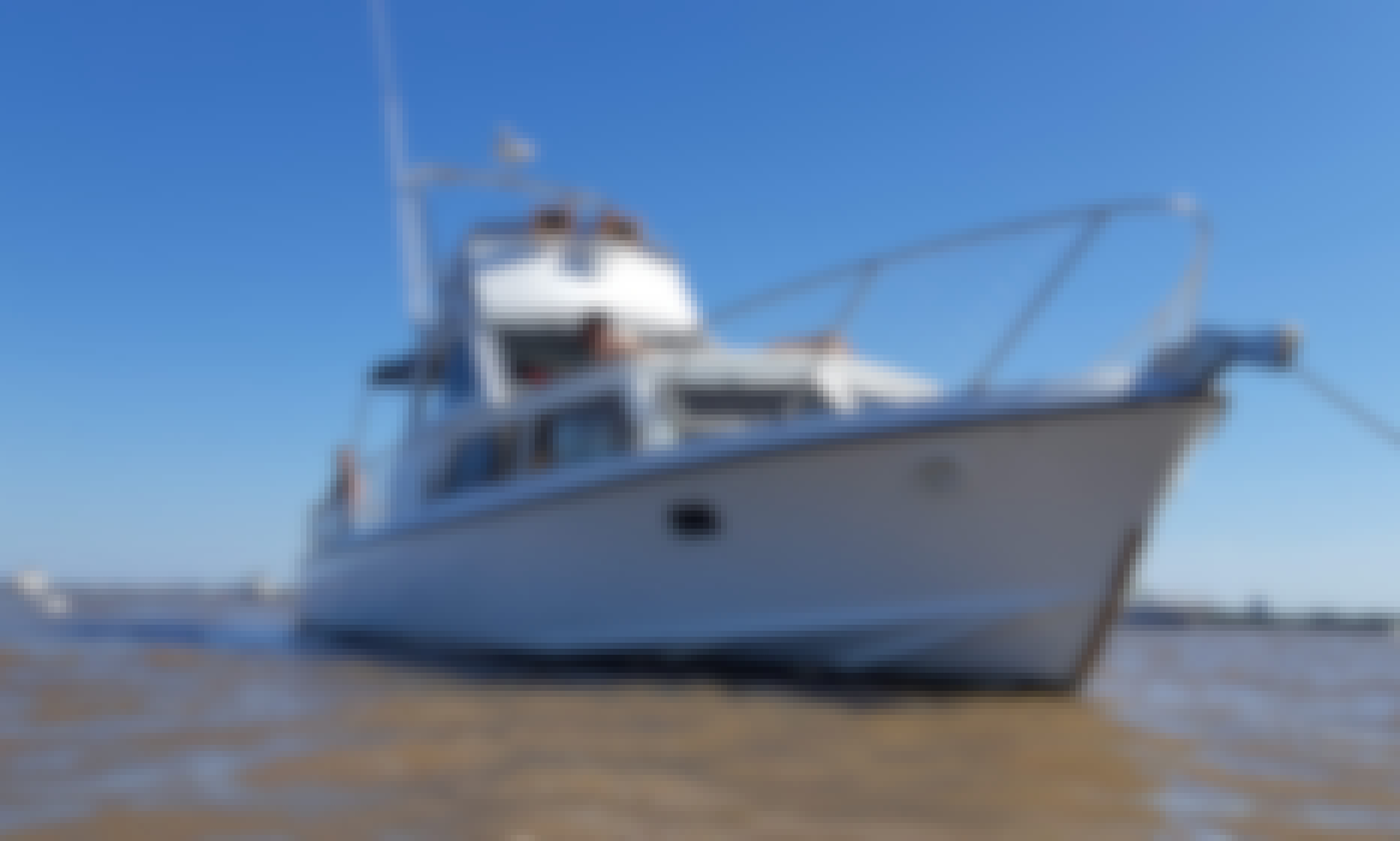 33 Foot Yacht Charter with Captain in San Fernando