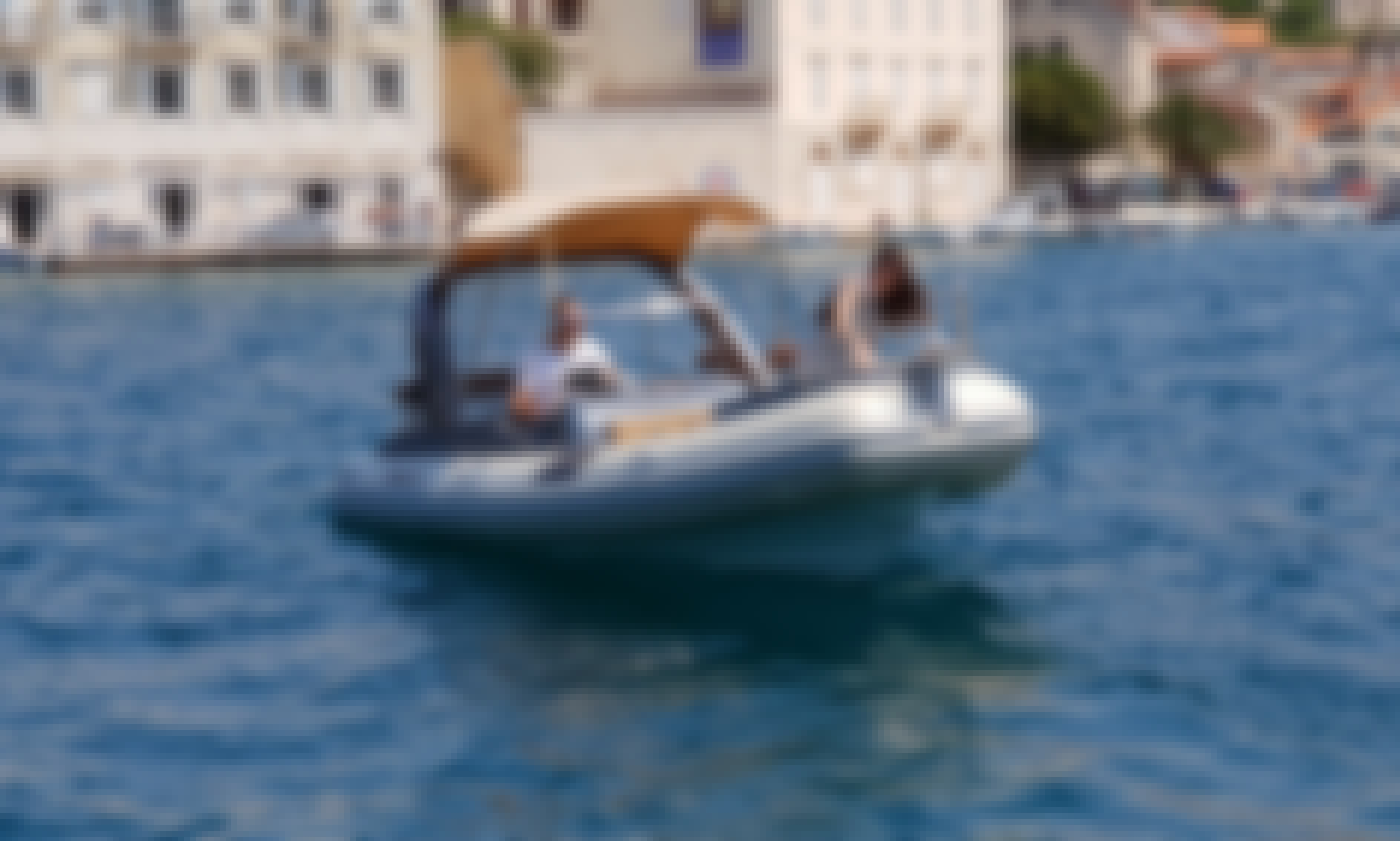 Explore Brac with powerful speedboat