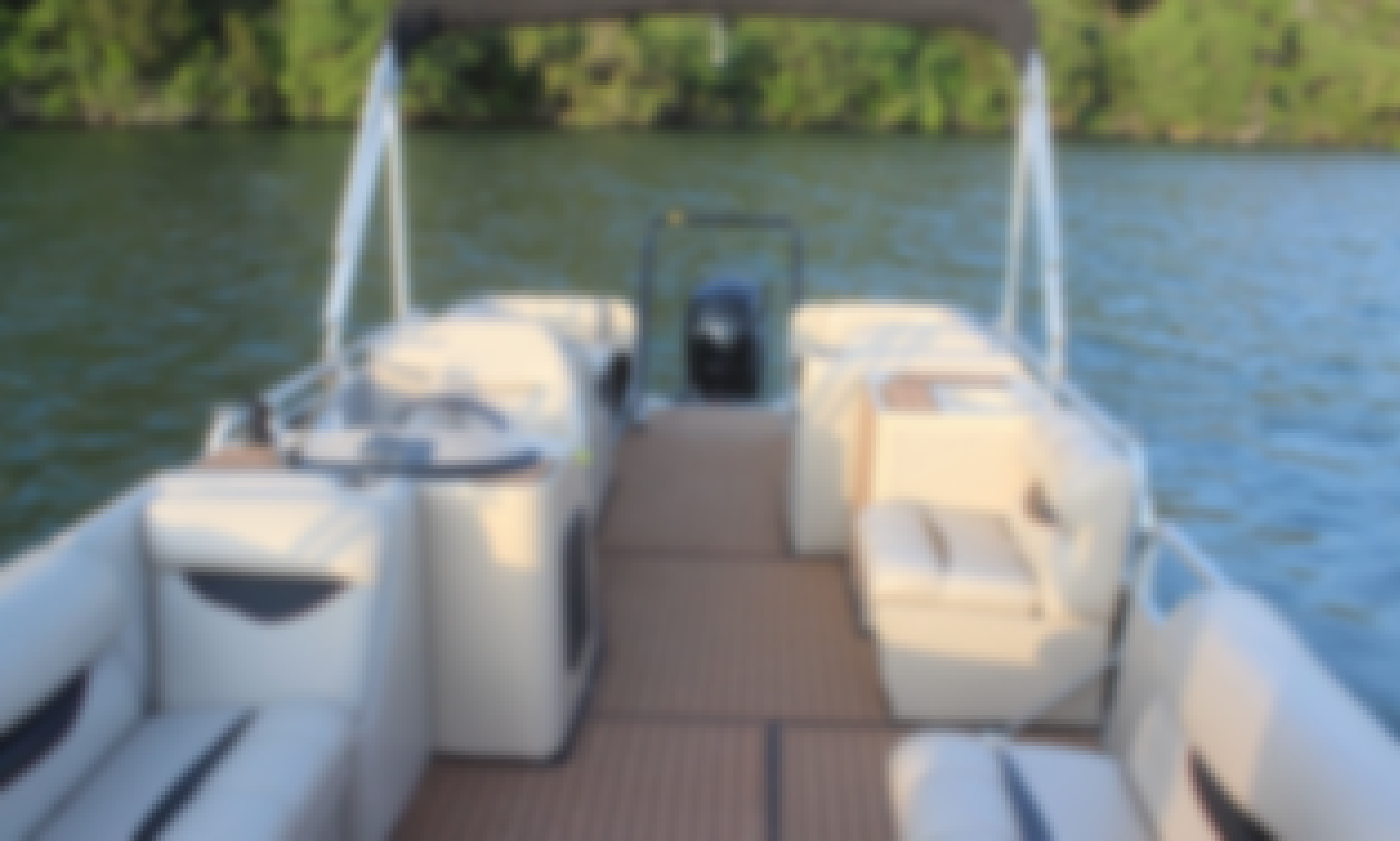 "LAKE AUSTIN PARTY BOAT with Captain ""Daiquiri""- Incl: Ice, Cooler, Floating Mat"