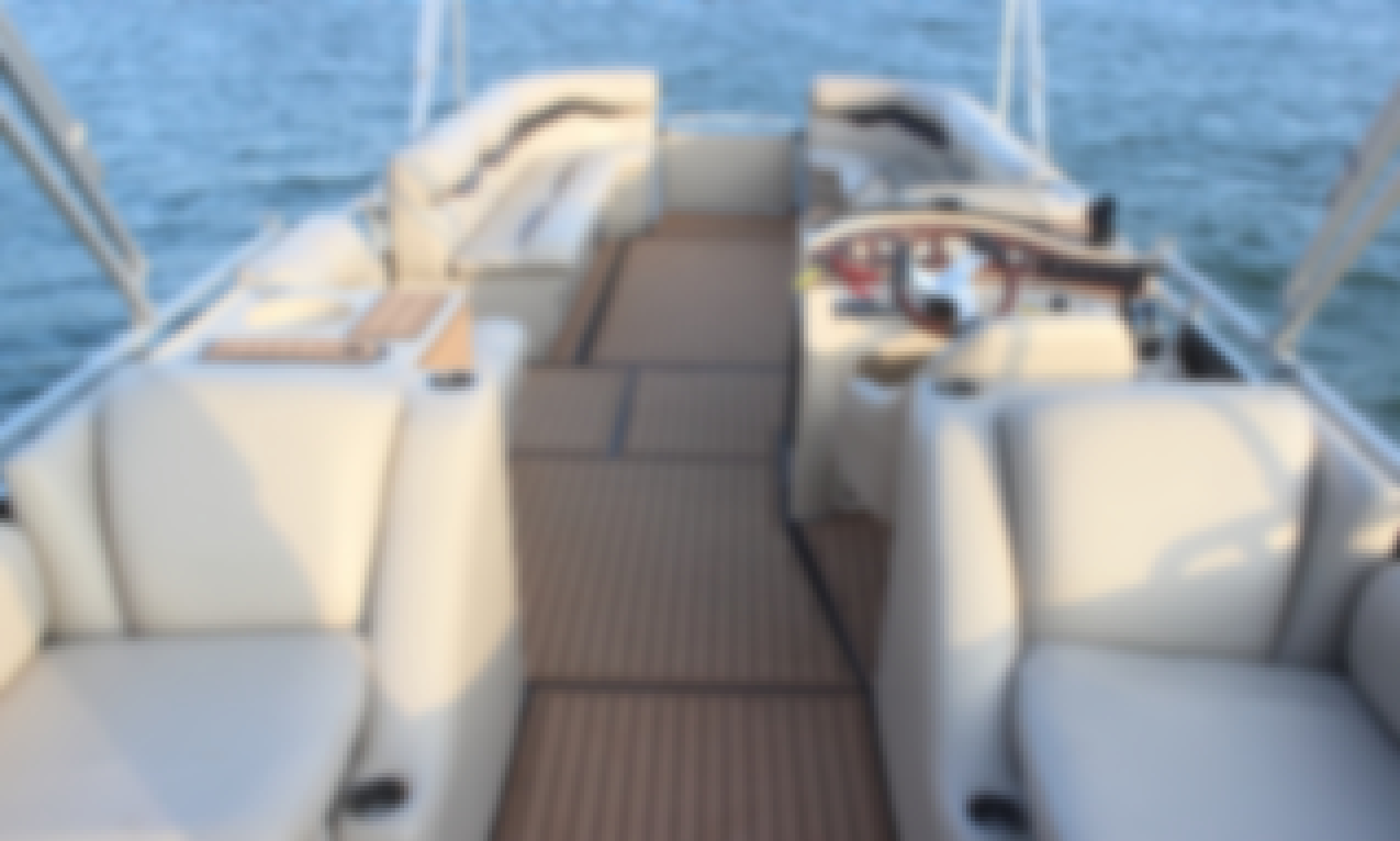 """LAKE AUSTIN PARTY BOAT with Captain """"Tequila"""" - Incl: Ice, Cooler, Floating Mat"""