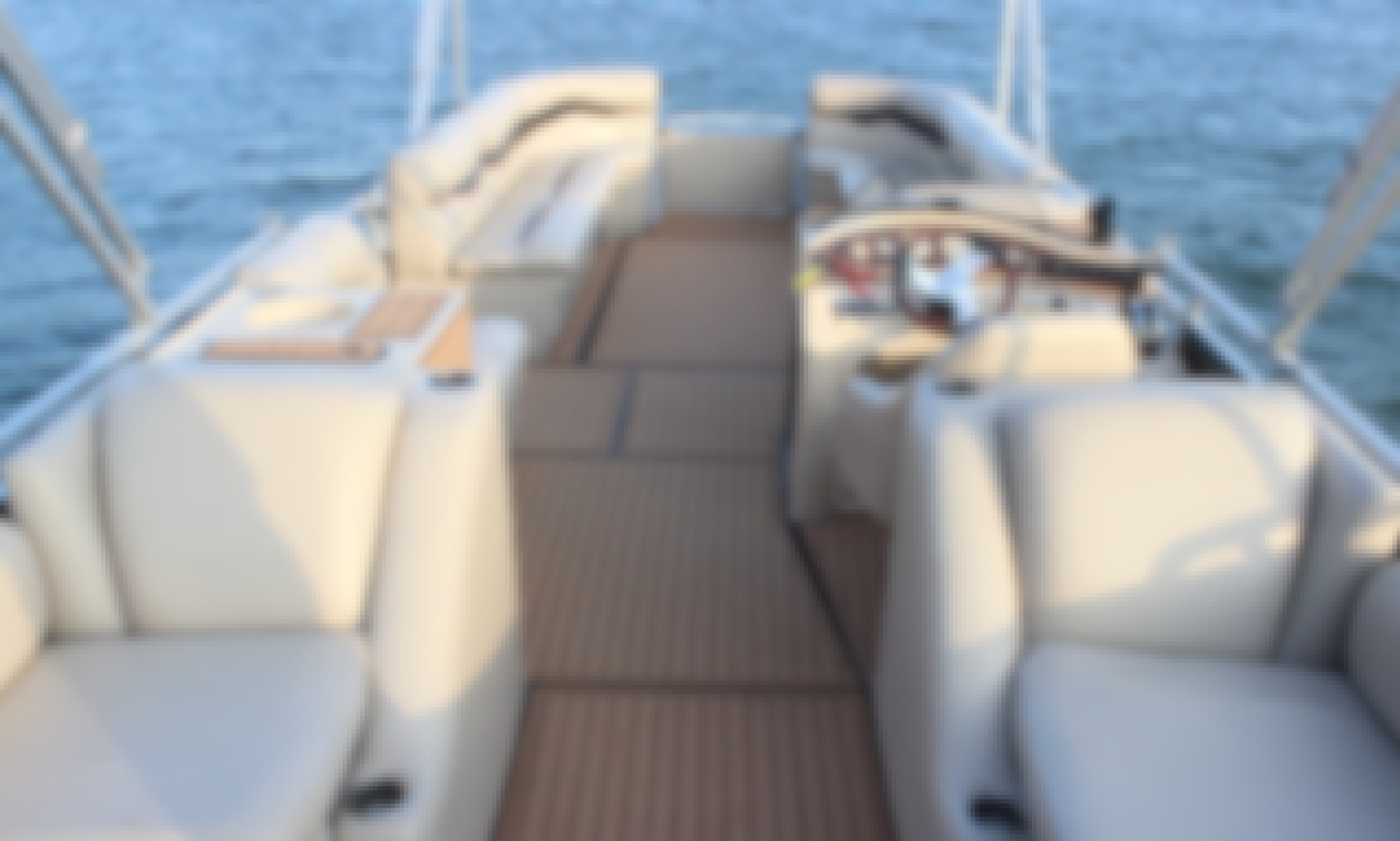 """LAKE AUSTIN PARTY BOAT with Captain - """"Mojito"""" - Incl: Ice, Cooler, Floating Mat"""