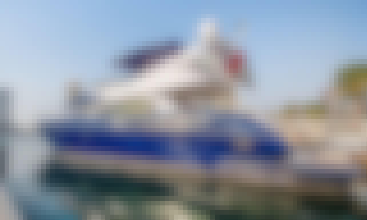 Beautiful Sunseeker 64 Luxury Yacht for Rent in Dubai
